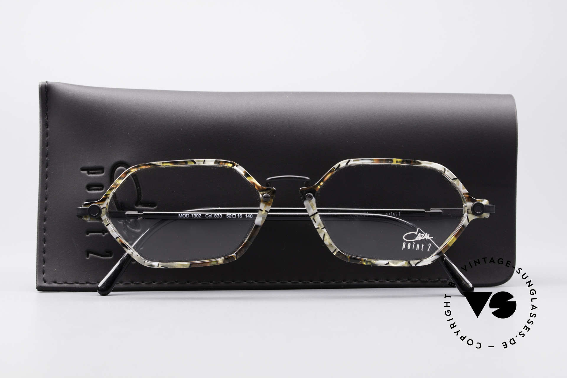Cazal 1302 - Point 2 Octagonal 90's Eyeglass-Frame, NO RETRO fashion; an authentic 20 years old ORIGINAL, Made for Men and Women