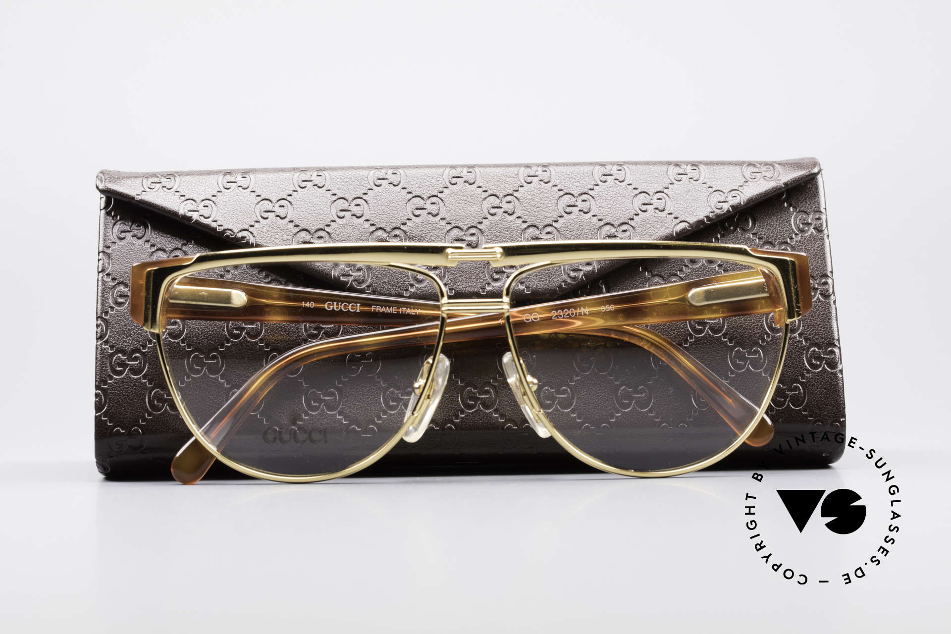Gucci 2320 Luxury Designer Glasses 80's, demo lenses can be replaced with optical (sun) lenses, Made for Men and Women