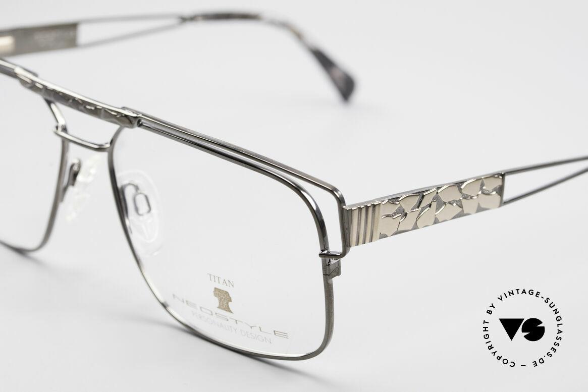 Neostyle Dynasty 430 80's Titanium Eyeglasses Men, never worn (like all our rare vintage eyeglasses), Made for Men