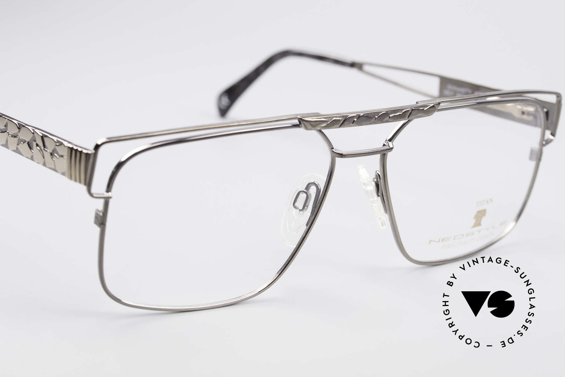 Neostyle Dynasty 430 80's Titanium Eyeglasses Men, NO RETRO glasses, just a stylish old ORIGINAL, Made for Men