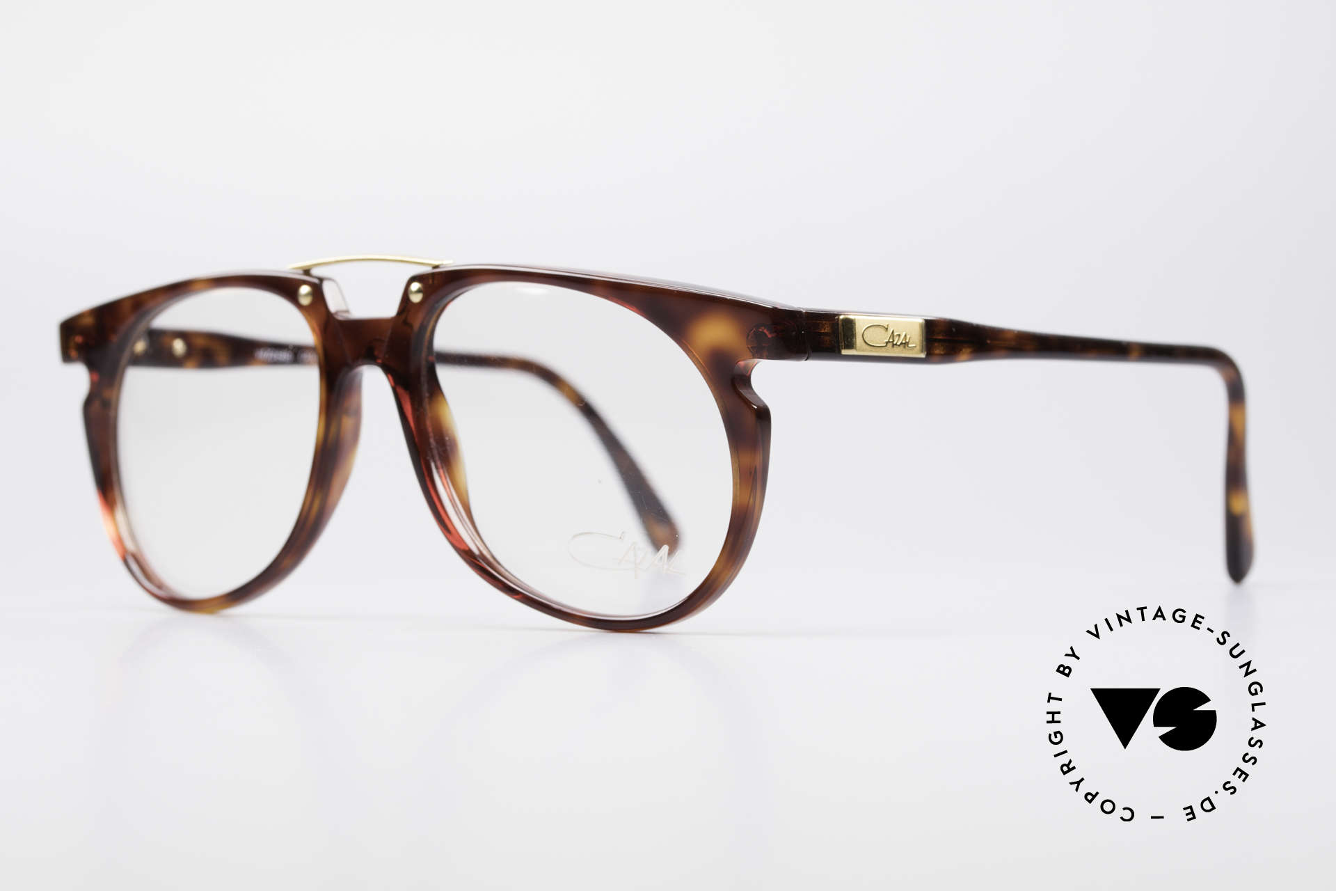 Cazal 645 Extraordinary Vintage Frame, great frame color / pattern (brown tortoise / gold), Made for Men