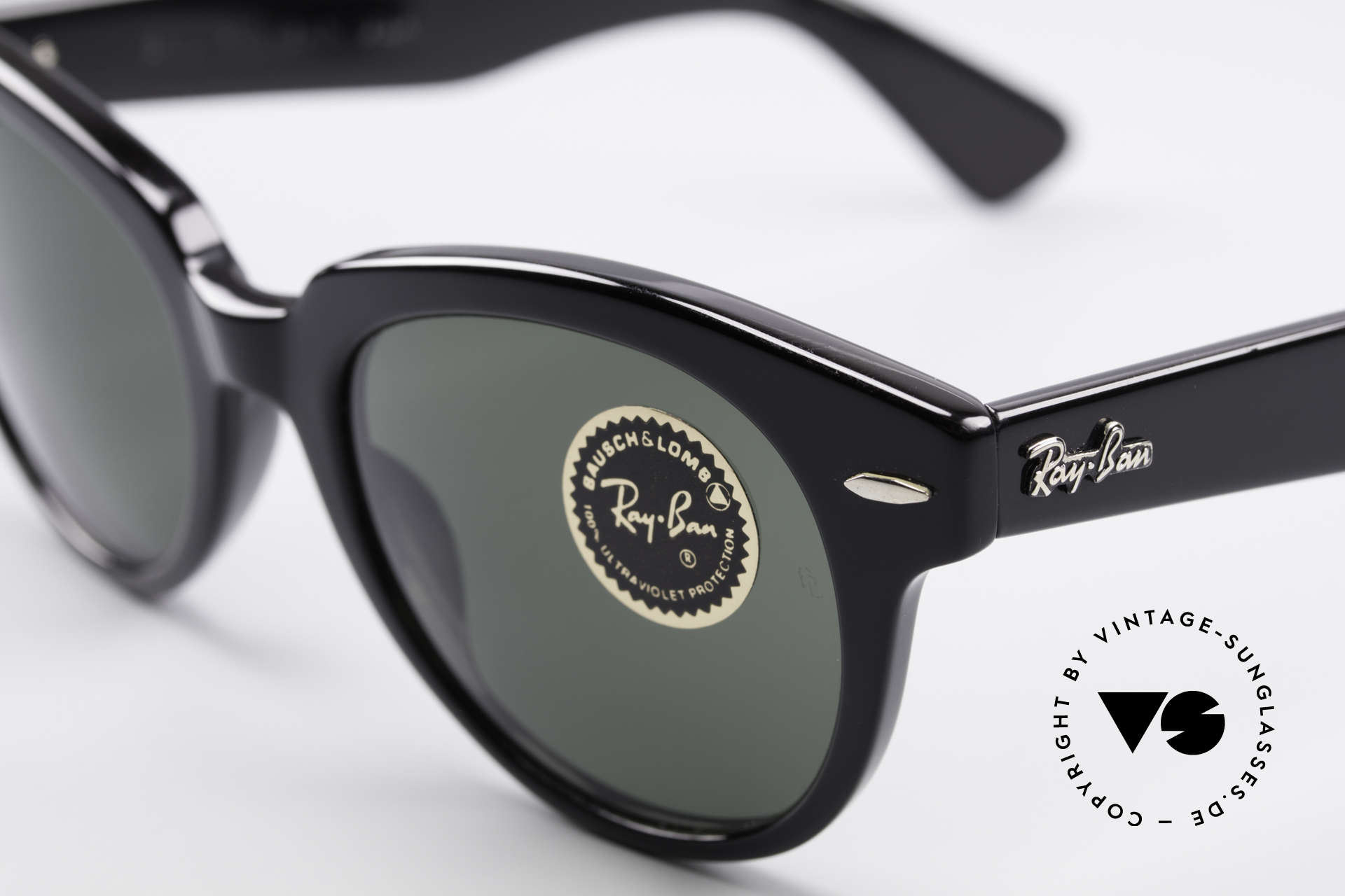 Ray Ban Orion Old Bausch&Lomb USA Frame, unworn (like all our VINTAGE Ray Ban shades), Made for Men and Women