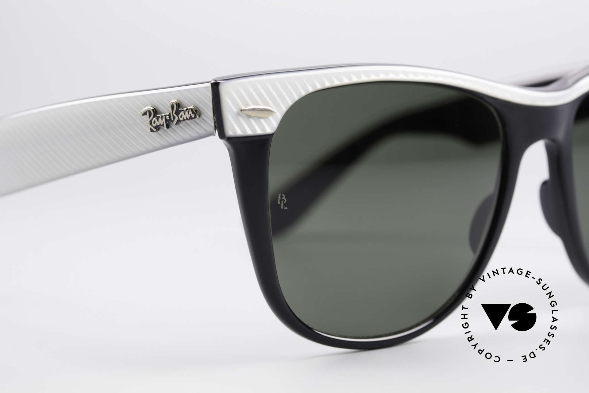 Ray Ban Wayfarer II B&L USA Original Wayfarer, NO RETRO sunglasses, but an authentic old original, Made for Men and Women