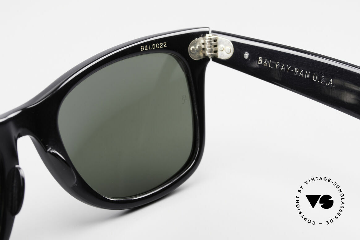 Ray Ban Wayfarer I Limited Leather Sunglasses, orig. name: W0499 Wayfarer Leather Auburn / Black, Made for Men and Women