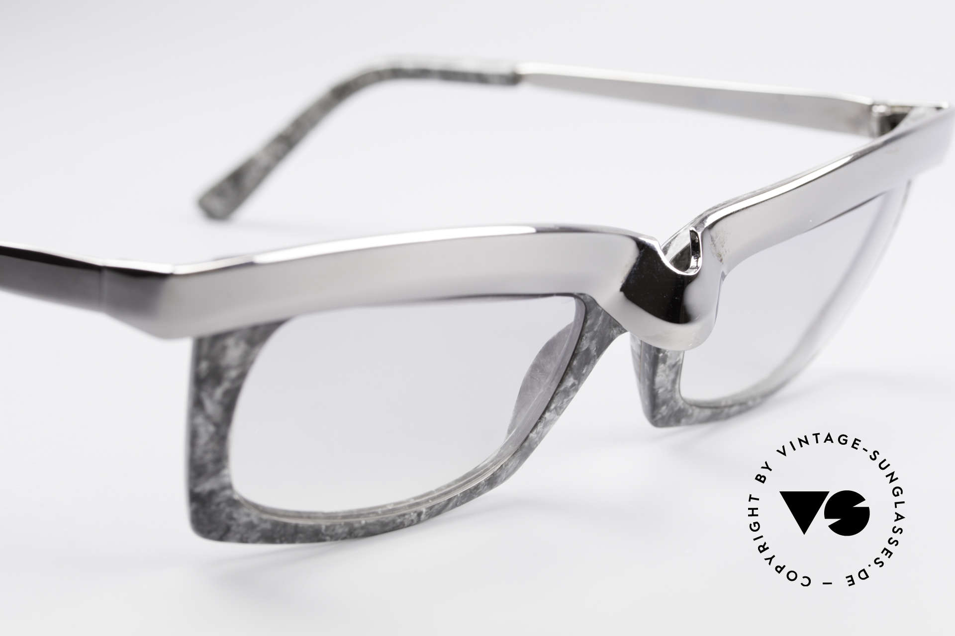 Alain Mikli 611 / 021 Spectacular 80's Sunglasses, unworn (like all our vintage Alain MIKLI Paris frames), Made for Men and Women