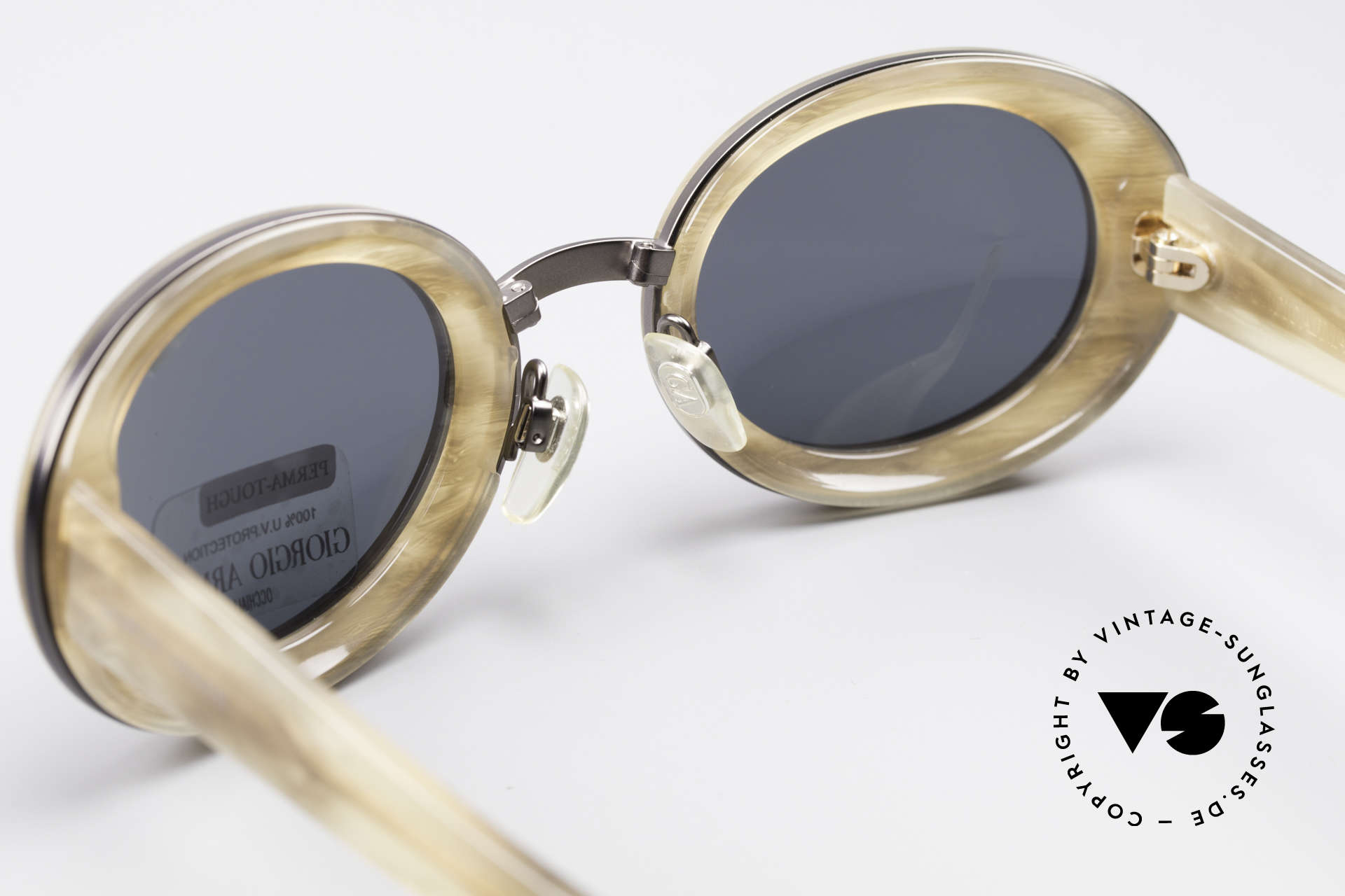 Giorgio Armani 945 90's Designer Shades Ladies, high-end 'GA' mineral lenses (for 100% UV protection), Made for Women