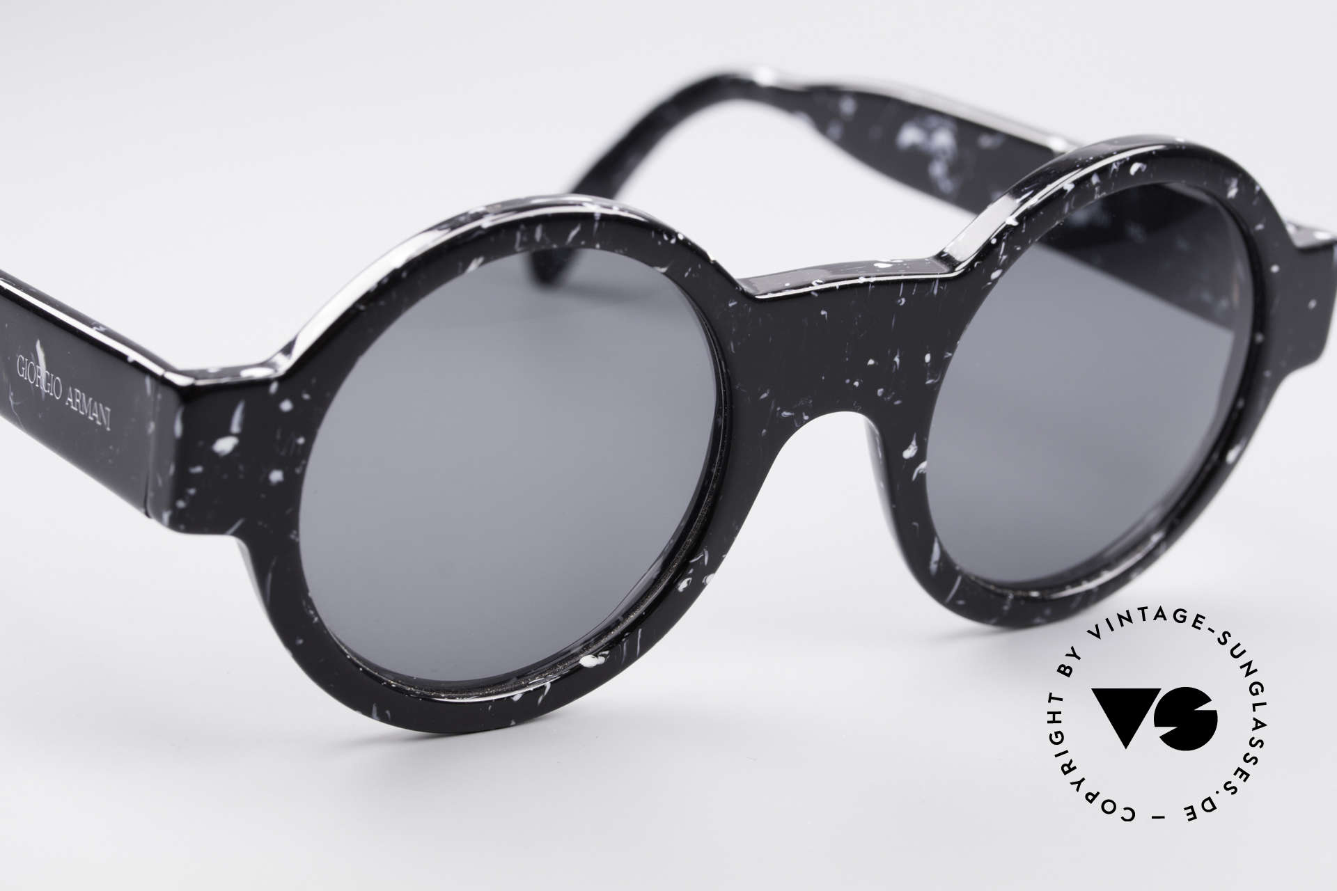 Giorgio Armani 903 Round Designer Sunglasses, NO RETRO specs, but a unique old ORIGINAL!, Made for Men and Women