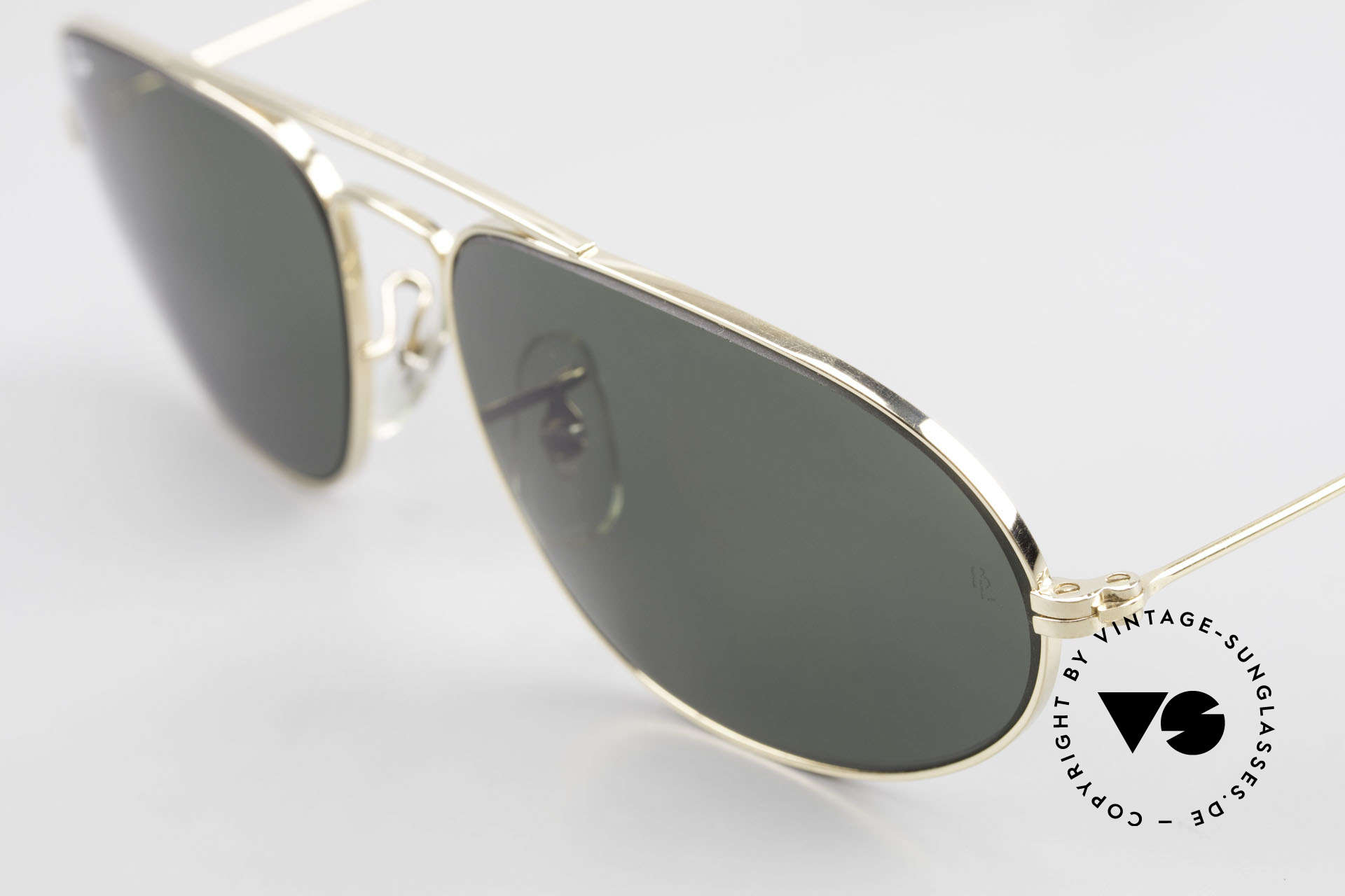 Ray Ban Fashion Metal 5 Extraordinary Aviator Shades, unworn (like all our vintage RAY-BAN shades), Made for Men