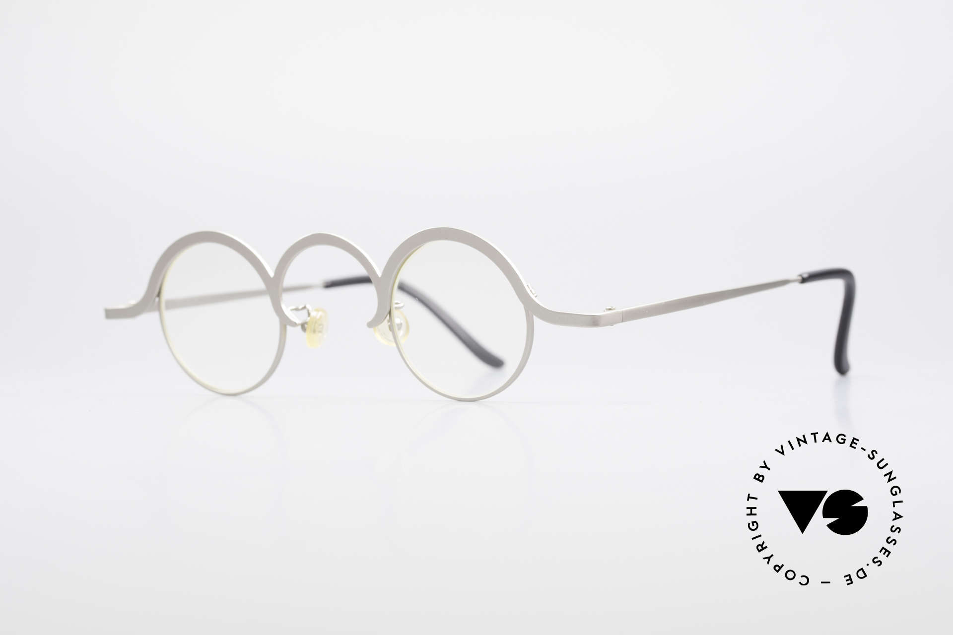 Theo Belgium Jeu Avant-Garde Vintage Specs, made for the avant-garde, individualists & trend-setters, Made for Men and Women