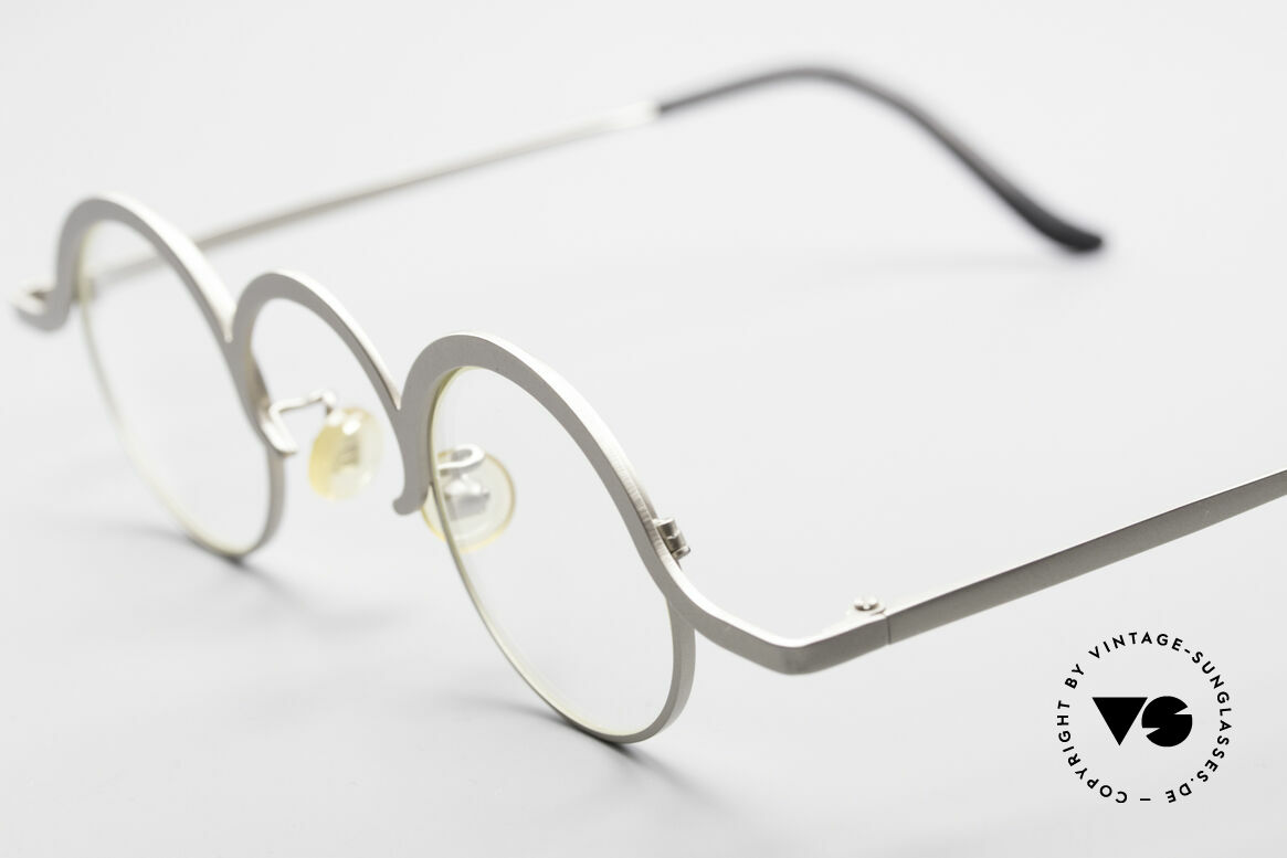 Theo Belgium Jeu Avant-Garde Vintage Specs, extraordinary 90's metal frame in top-quality (UNISEX), Made for Men and Women