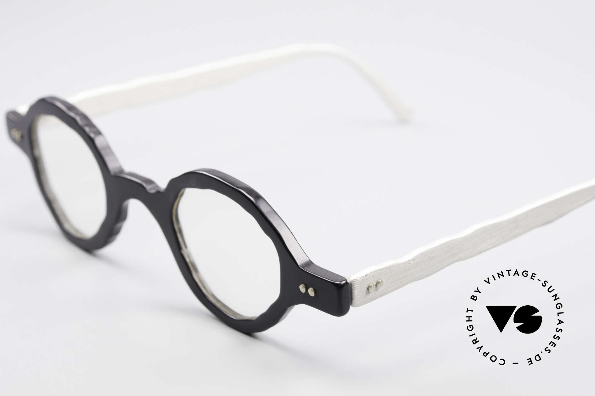 Theo Belgium Eye-Witness BD30 Avant-Garde Vintage Glasses, the fancy 'Eye-Witness' series was launched in May '95, Made for Men and Women