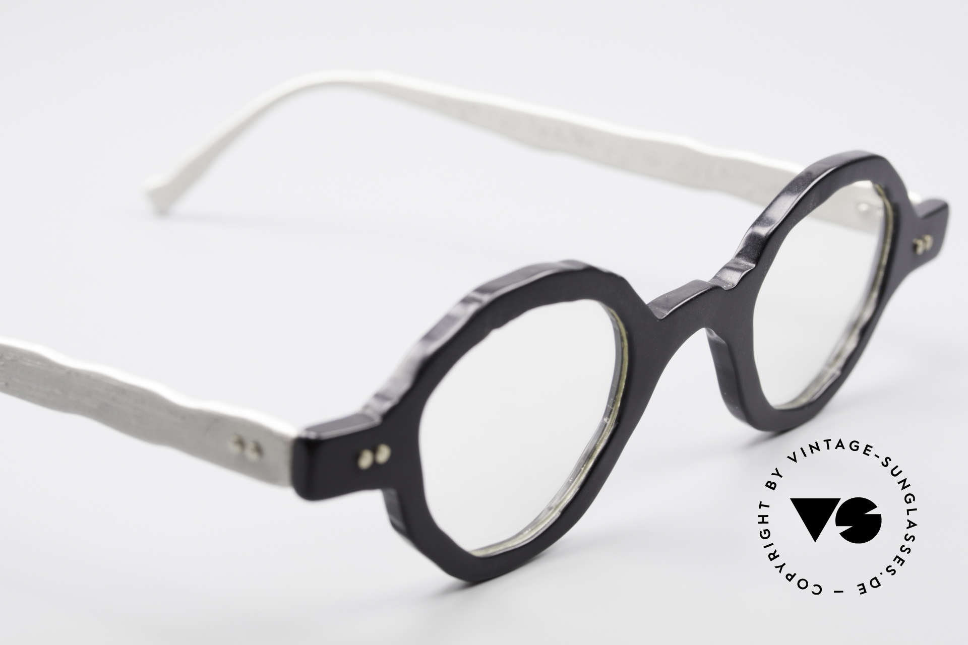 Theo Belgium Eye-Witness BD30 Avant-Garde Vintage Glasses, these specs were apparently unfinished & asymmetrical, Made for Men and Women