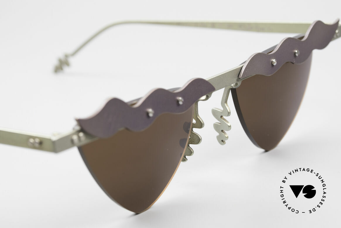 Theo Belgium Tita II C10 Heart Shaped Sun Lenses, never worn, one of a kind; Theo frame for all who dare!, Made for Women