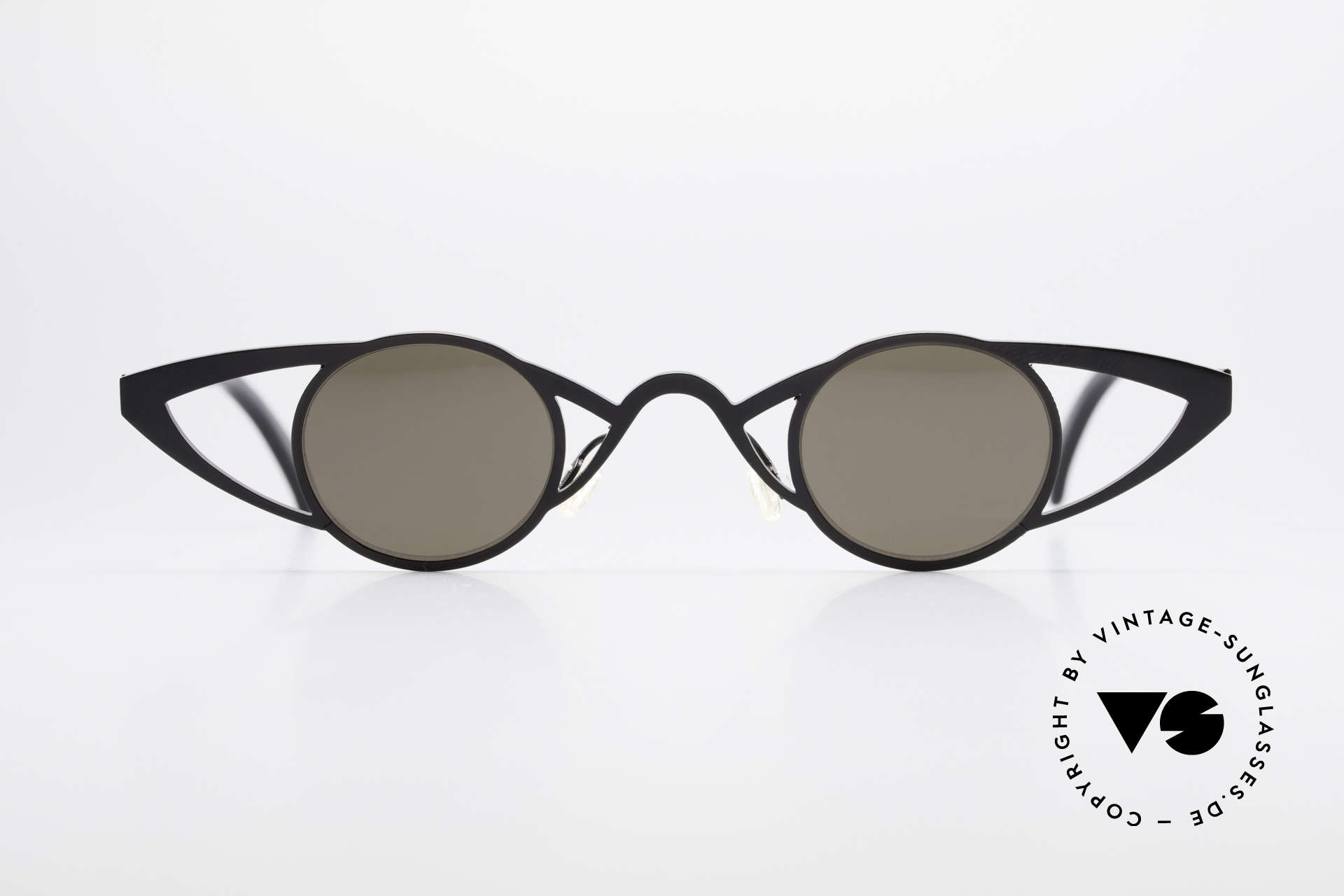 Theo Belgium Saturnus Round Designer Sunglasses, founded in 1989 as 'opposite pole' to the 'mainstream', Made for Women
