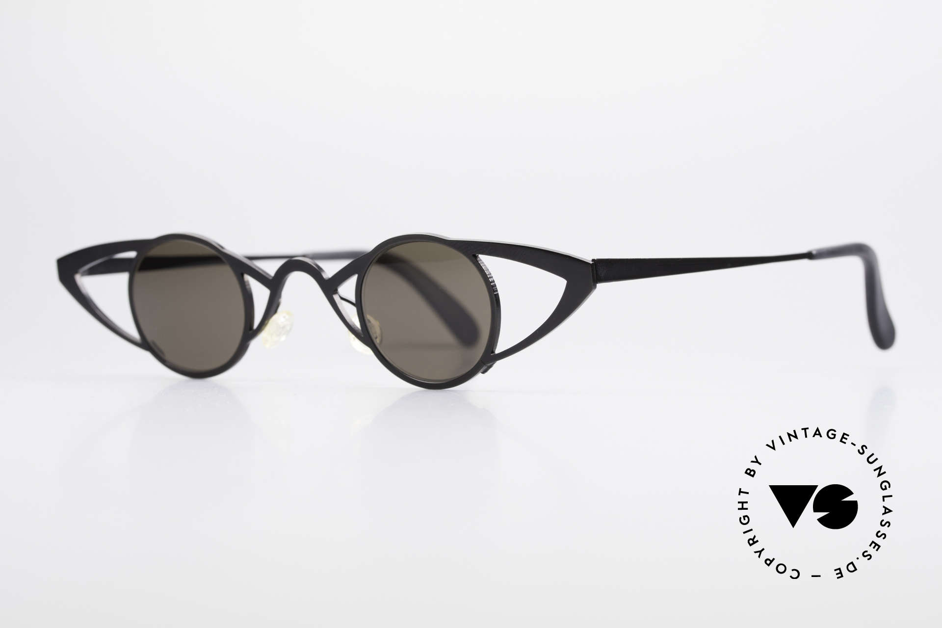 Theo Belgium Saturnus Round Designer Sunglasses, made for the avant-garde, individualists, trend-setters, Made for Women