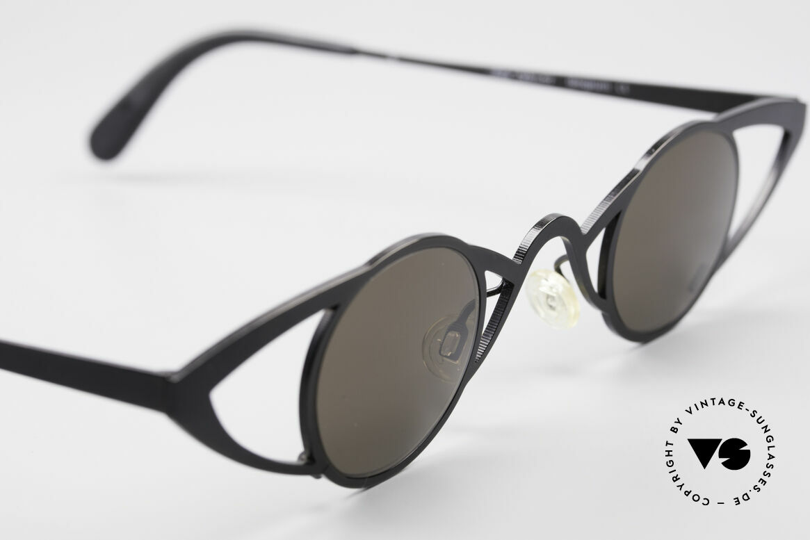 Theo Belgium Saturnus Round Designer Sunglasses, unworn, one of a kind, THEO shades for all who dare ;), Made for Women
