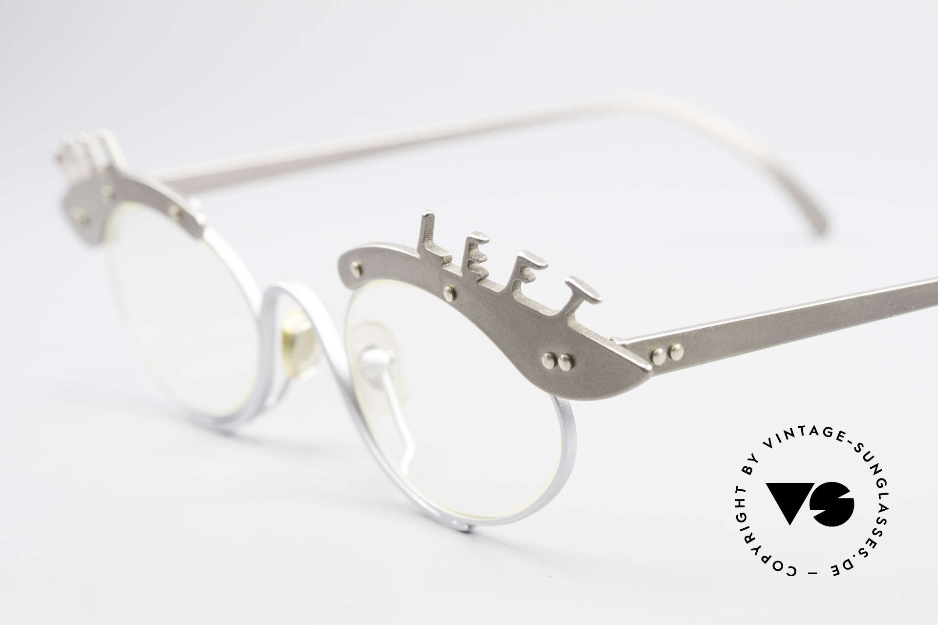 Theo Belgium Pro6 & Pro7 Two Glasses Left and Right, truly unique and fancy; furthermore in titanium quality, Made for Women