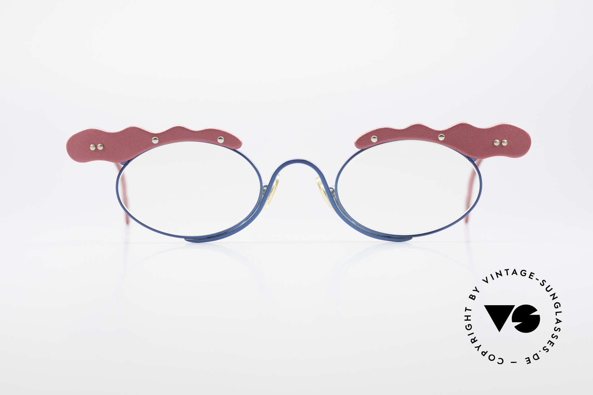 Theo Belgium These Crazy Vintage Eyeglasses, founded in 1989 as 'opposite pole' to the 'mainstream', Made for Women