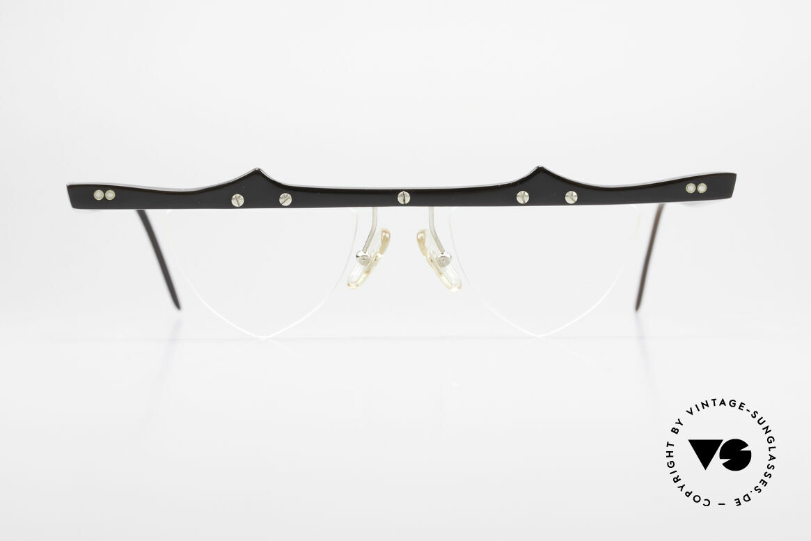 Theo Belgium Eta Heart Shaped Frame Horn XL, founded in 1989 as 'anti mainstream' eyewear / glasses, Made for Women