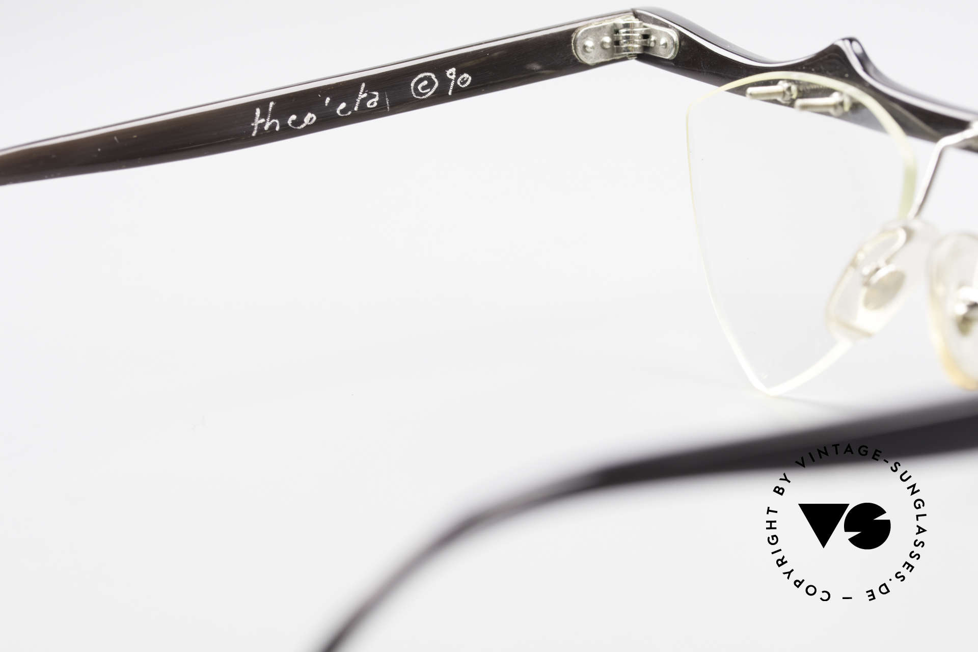 Theo Belgium Eta Heart Shaped Frame Horn XL, the enchanting DEMO lenses can be replaced optionally, Made for Women