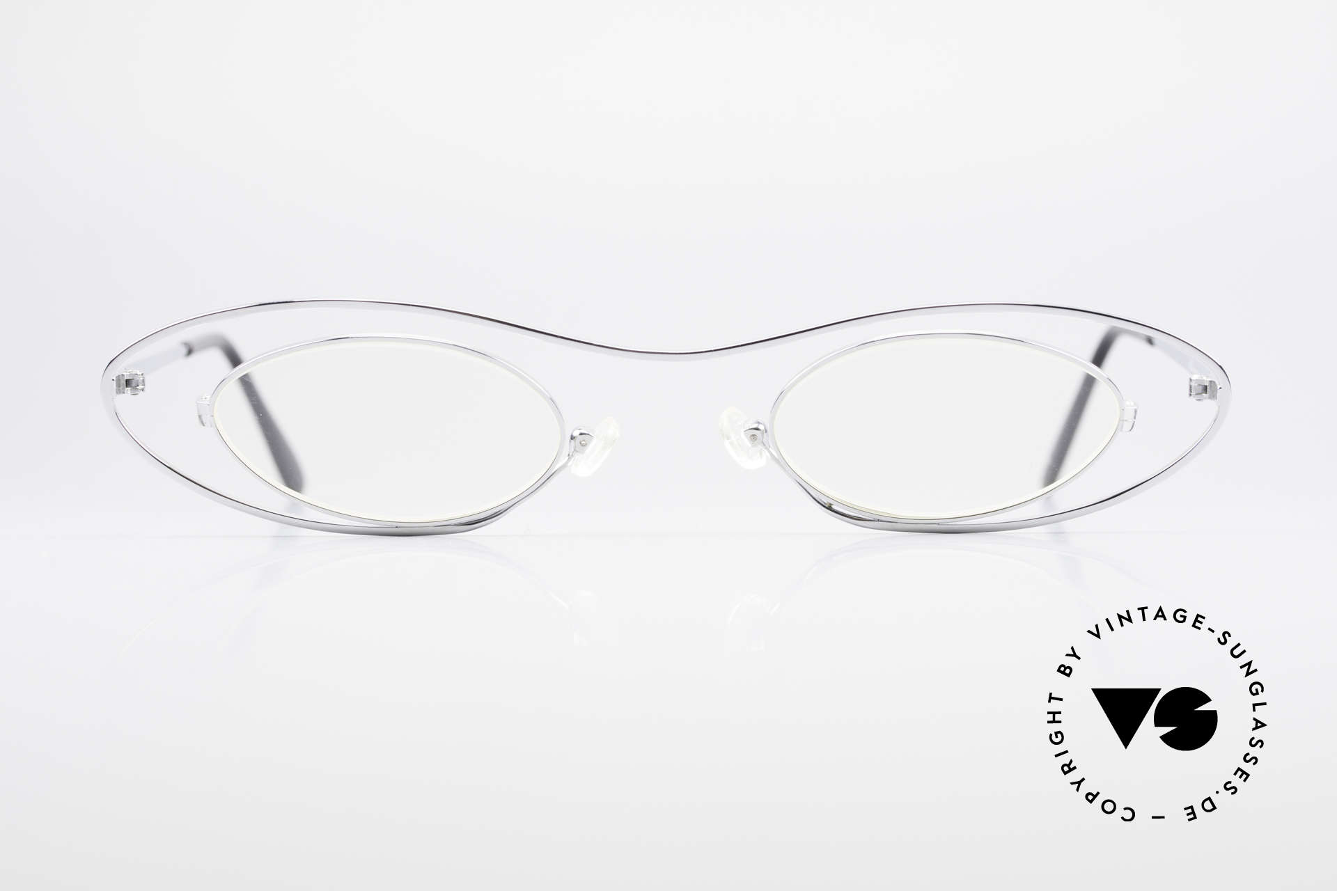 Theo Belgium Mama Vintage Glasses For Mama, founded in 1989 as 'opposite pole' to the 'mainstream', Made for Women