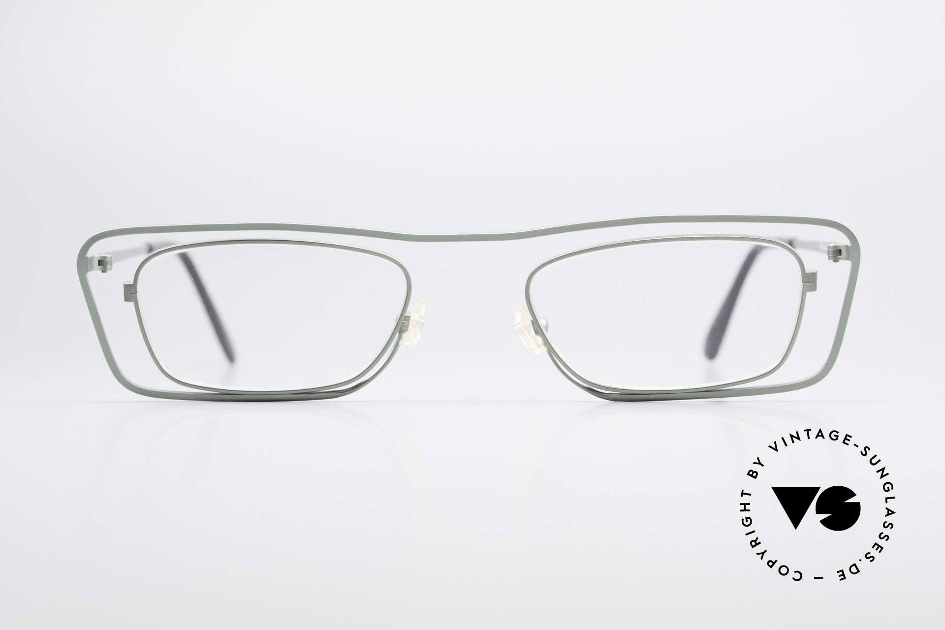 Theo Belgium Papa Vintage Glasses For Papa, founded in 1989 as 'opposite pole' to the 'mainstream', Made for Men