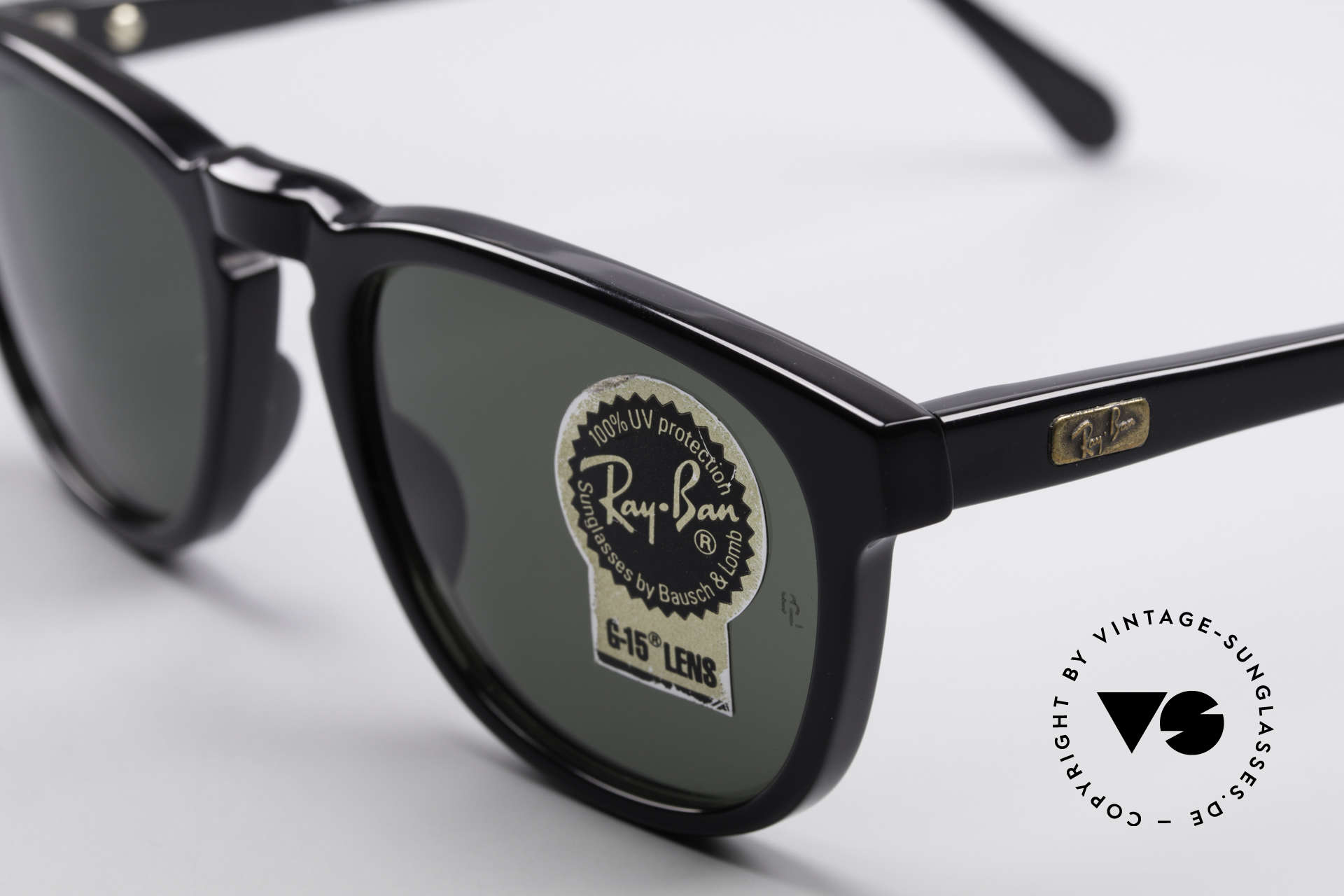 Ray Ban Gatsby Style 2 Old Ray Ban USA Sunglasses, unworn (like all our vintage 1990's RAY-BAN), Made for Men and Women