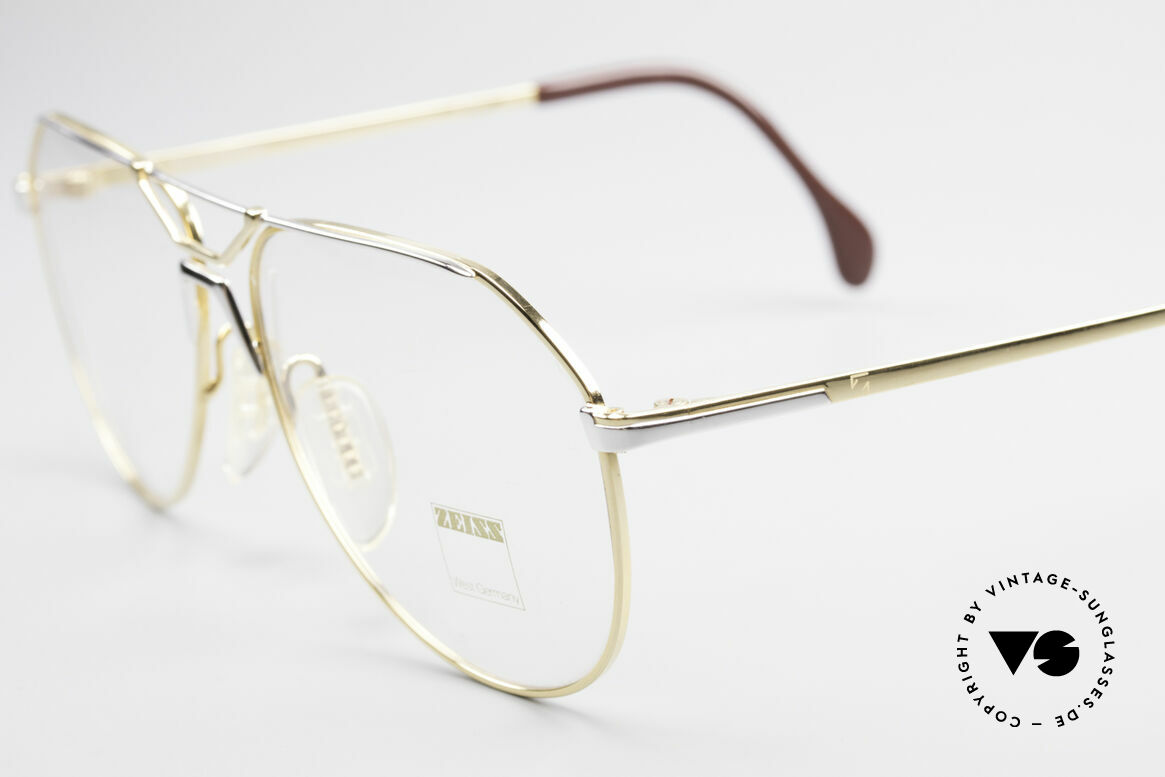 Zeiss 5897 West Germany 80's Eye Frame, an extraordinary frame design with a bicolored finish, Made for Men