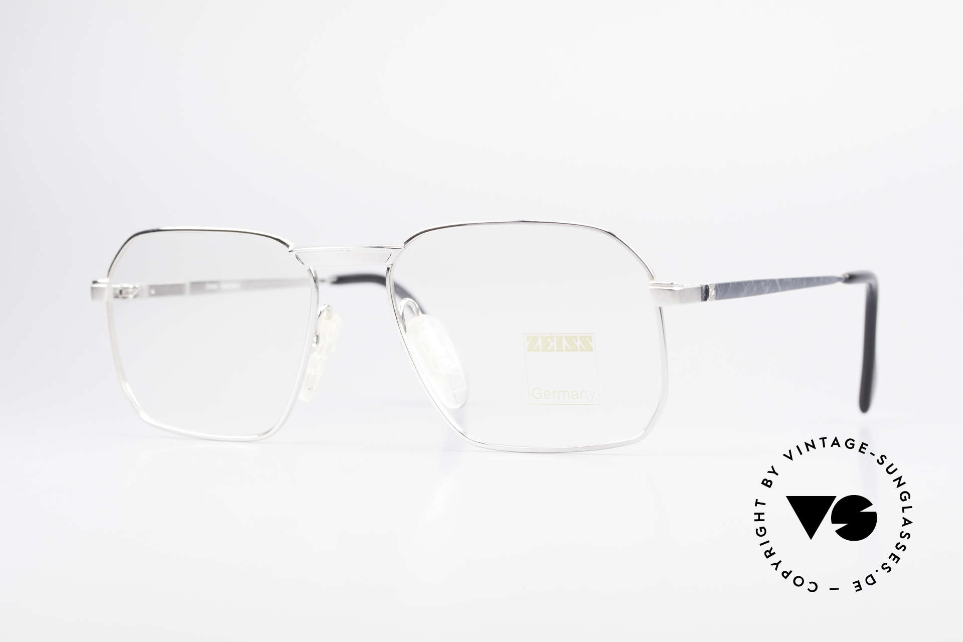 Zeiss 5922 Rare Old 90's Eyeglasses Men, sturdy vintage eyeglass-frame by Zeiss from app. 1990, Made for Men