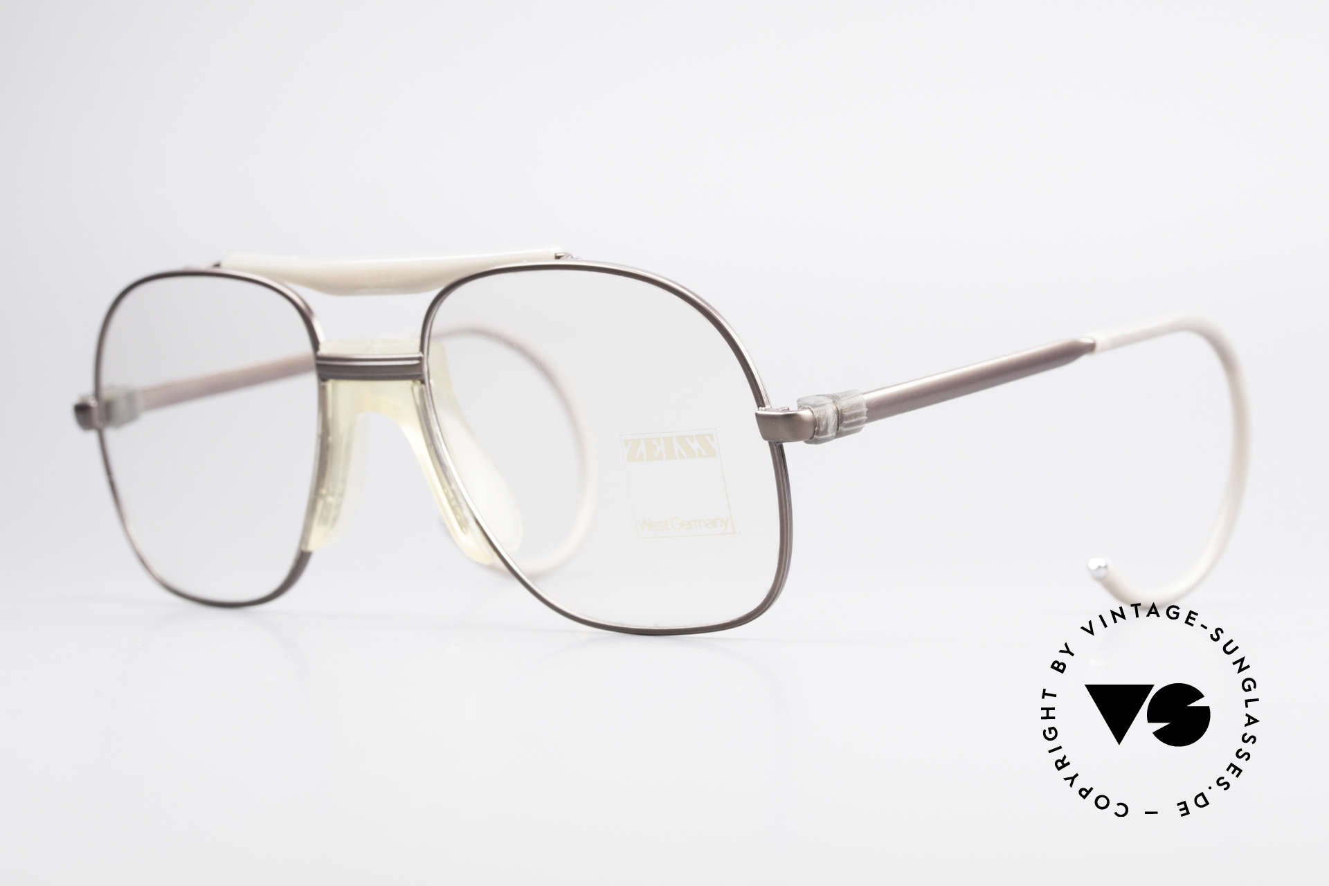 Zeiss 7037 80's Old School Sports Glasses, 'old school' 1980's eyeglasses by Zeiss, W.Germany, Made for Men