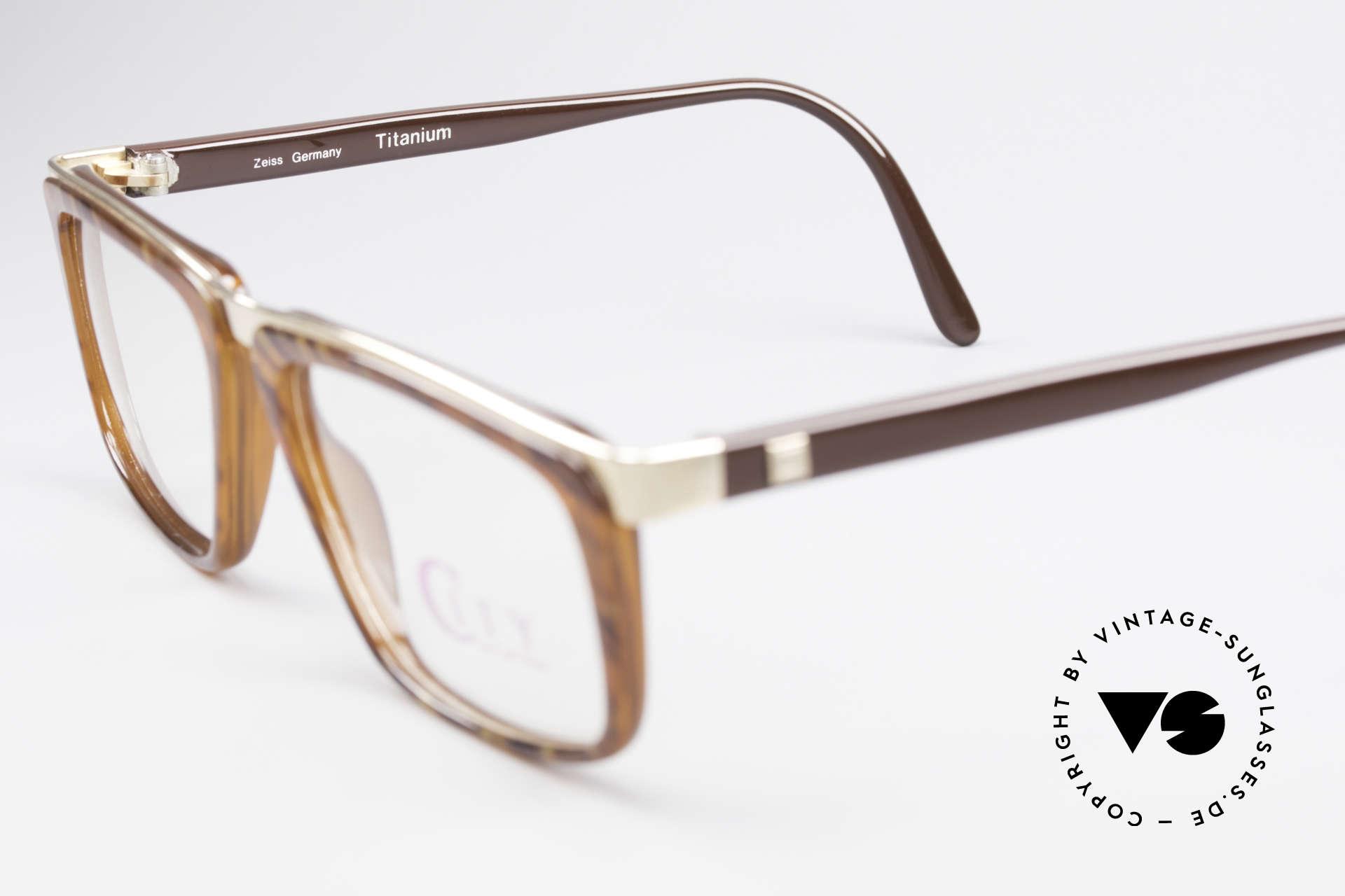 Zeiss 5967 90's Titanium Eyeglasses Men, unworn (like all our high-end Zeiss vintage eyeglasses), Made for Men