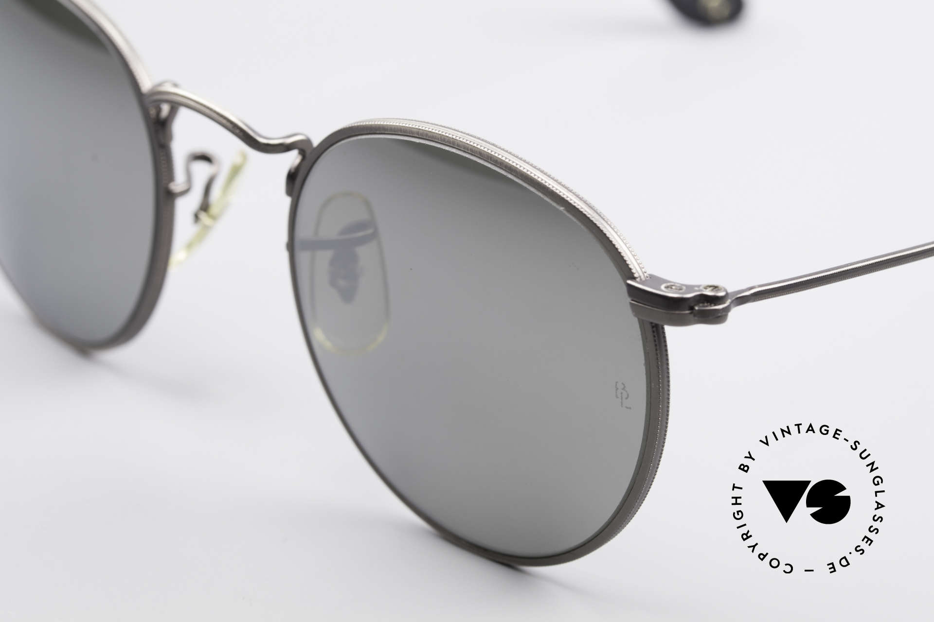 Ray Ban Round Metal 47 Mirrored B&L USA Sunglasses, unworn Bausch&Lomb sunglasses + an old B&L case, Made for Men and Women