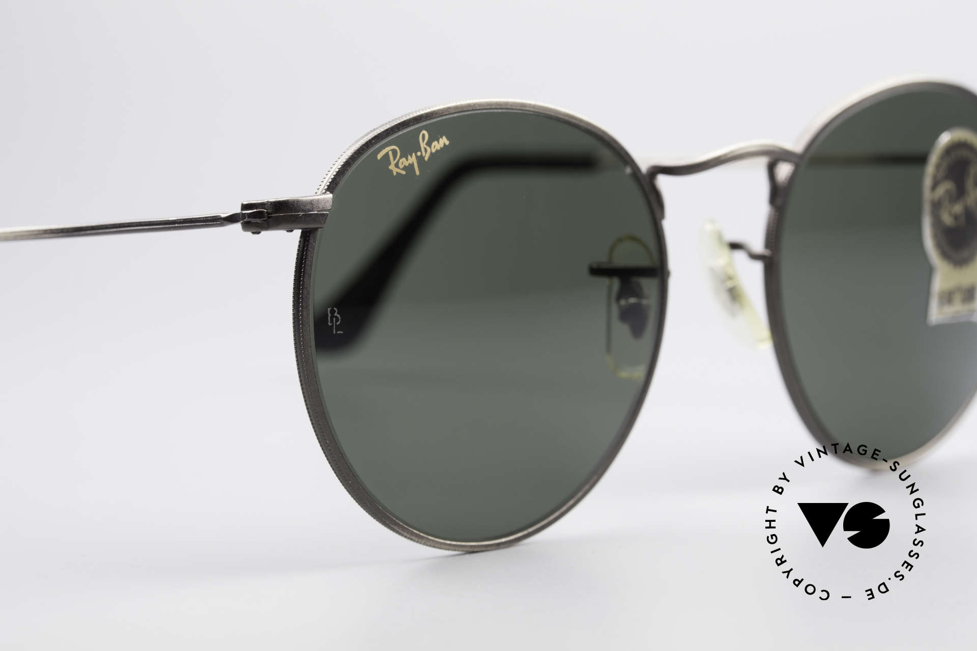 Ray Ban Round Metal 49 Round Vintage Sunglasses USA, unworn Bausch&Lomb sunglasses + an old B&L case, Made for Men and Women