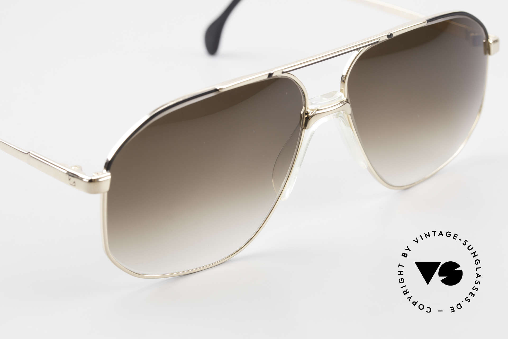 Zeiss 5906 Old 80's Quality Aviator Shades, never worn (like all our vintage ZEISS sunglasses), Made for Men