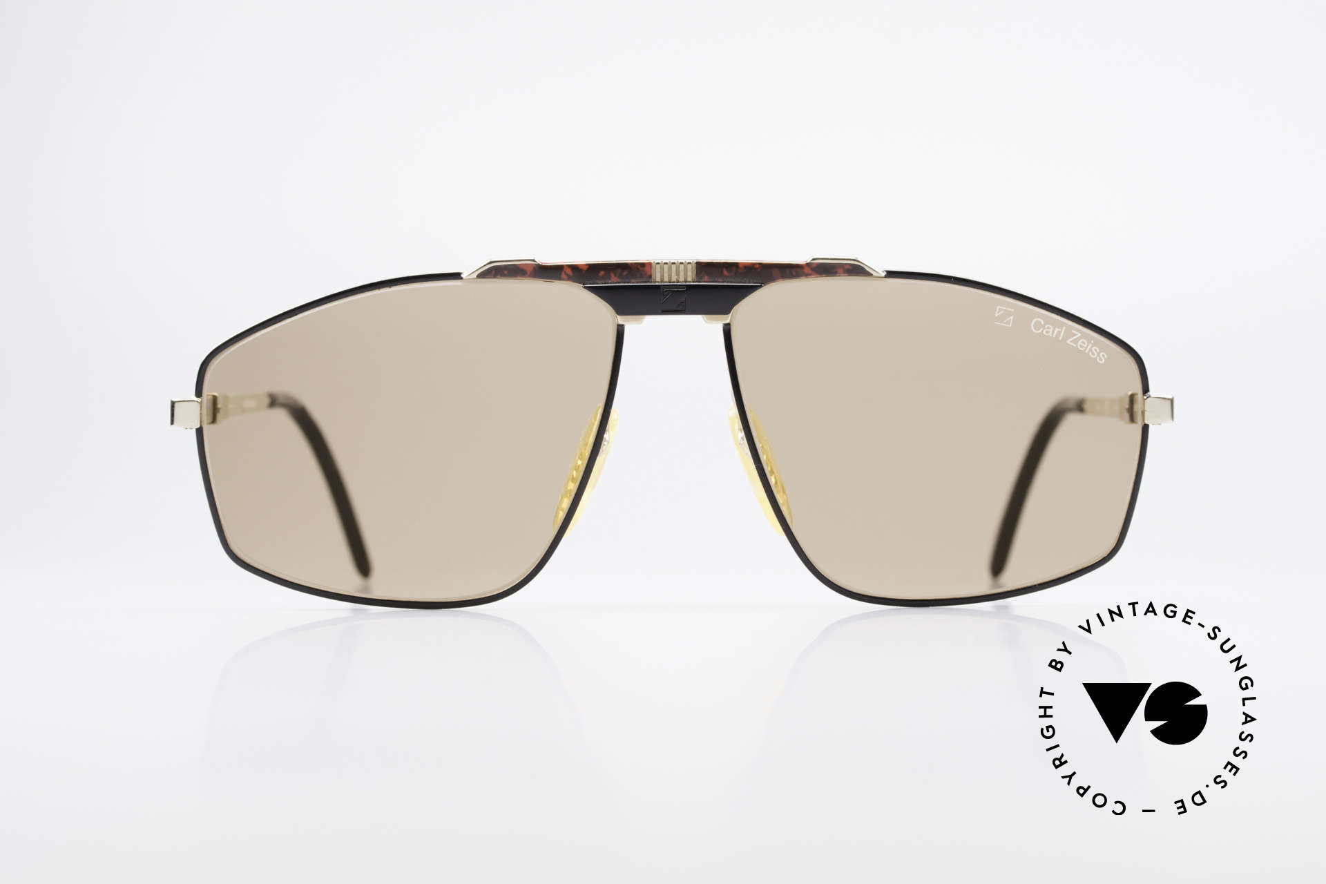 Zeiss 9925 Gentlemen's 80's Sunglasses, this rare vintage model combines all quality features, Made for Men