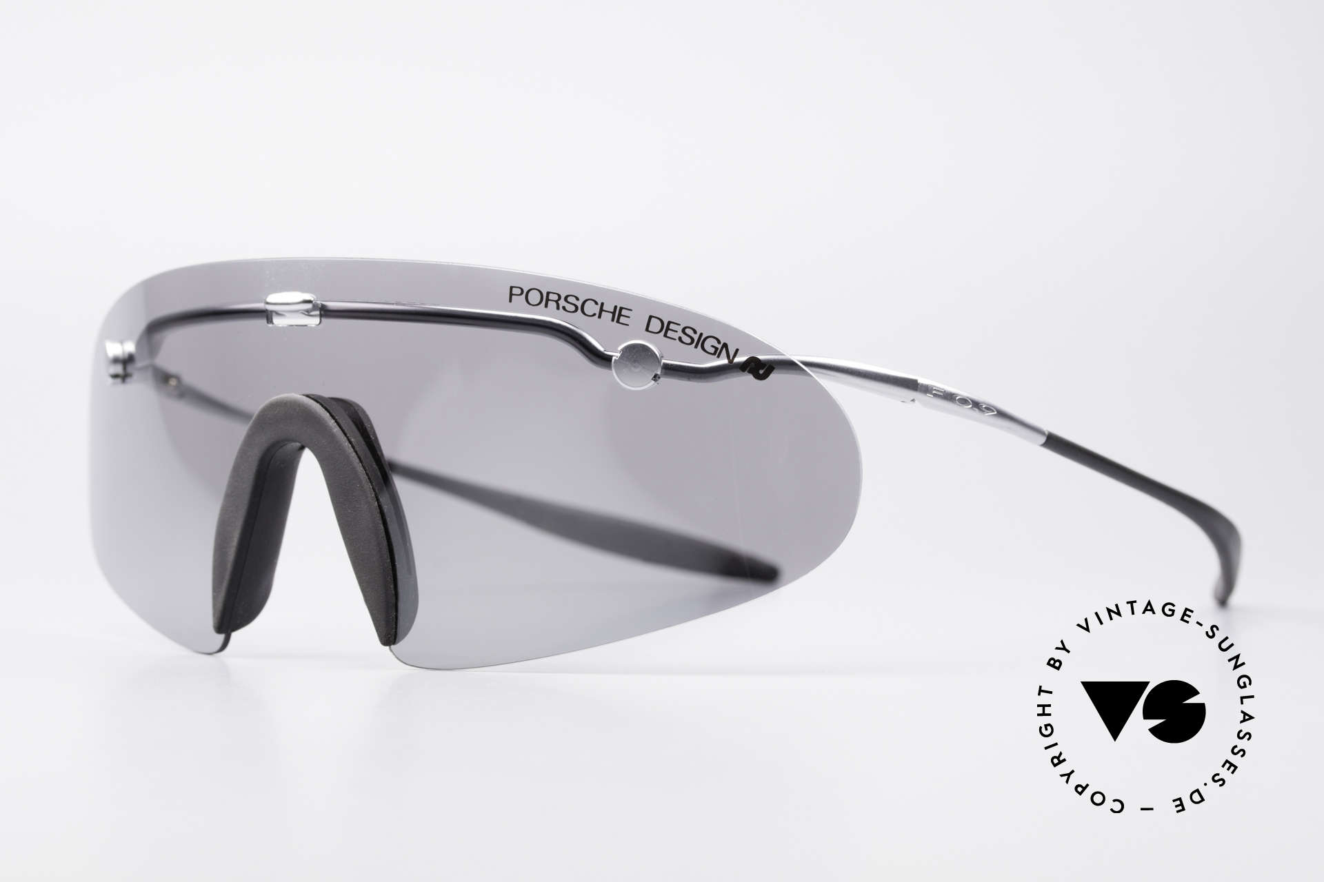 Porsche 5692 F09 Flat Shades Silver Mirrored, ingenious flat & compact, when folded (fits every pocket), Made for Men