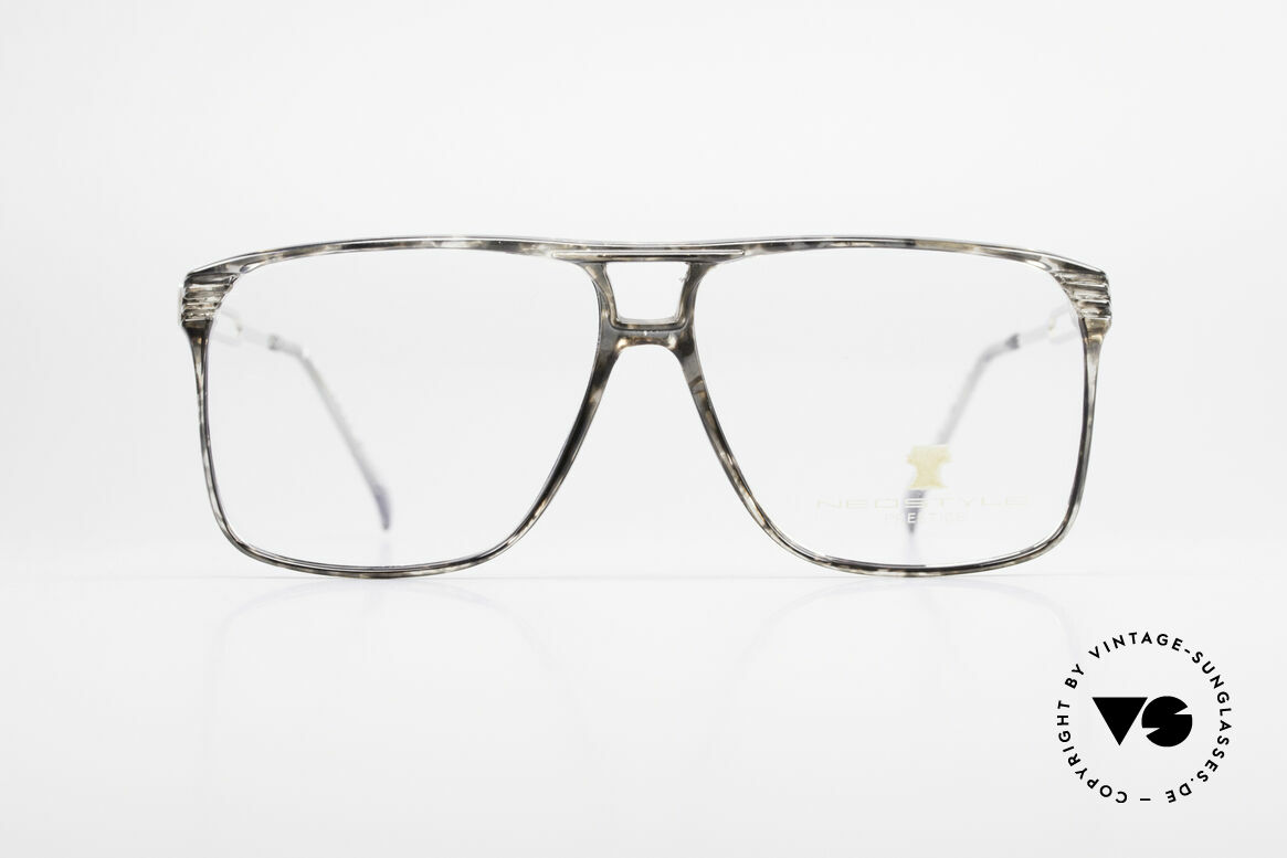 Neostyle Rotary Prestige 33 Titan Frame 80's Eyeglasses, striking 80's vintage eyeglass-frame in top-quality, Made for Men
