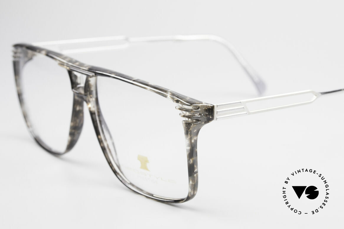 Neostyle Rotary Prestige 33 Titan Frame 80's Eyeglasses, massive frame, but lightweight thanks to Titanium, Made for Men