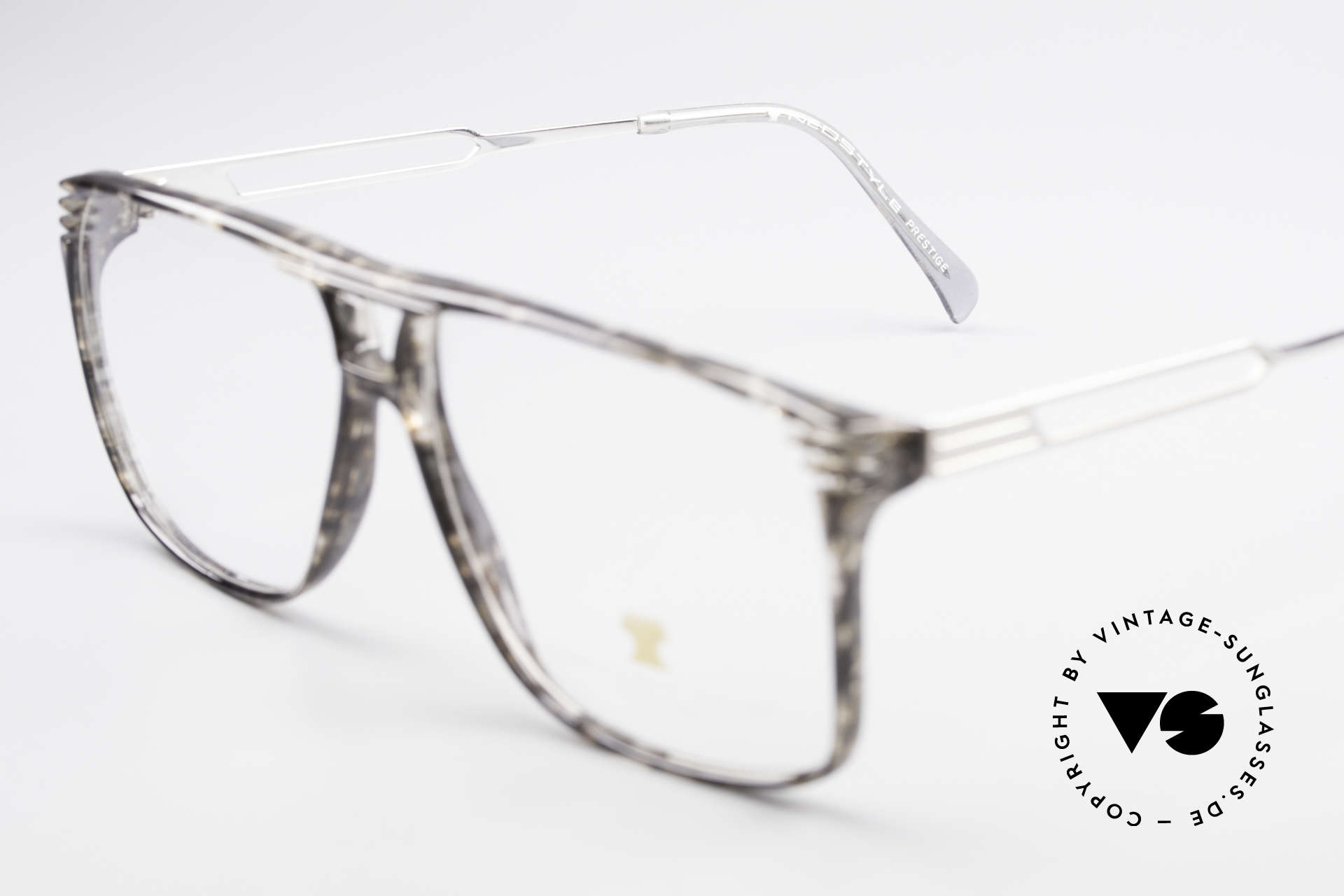 Neostyle Rotary Prestige 33 Titan Frame 80's Eyeglasses, unworn, one of a kind; like all our vintage Neostyles, Made for Men