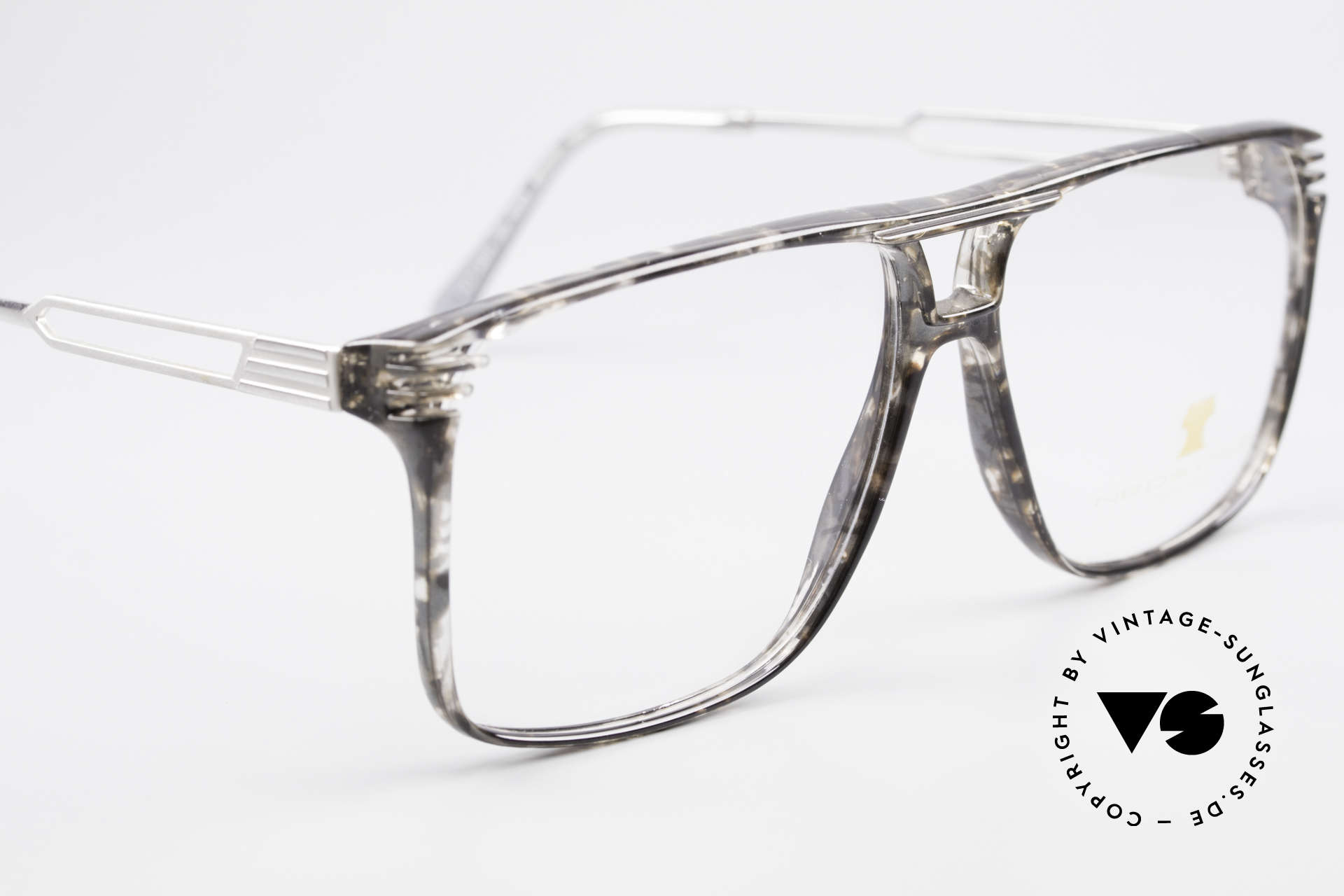 Neostyle Rotary Prestige 33 Titan Frame 80's Eyeglasses, NO retro eyeglasses, but a real 30 years old unicum!, Made for Men