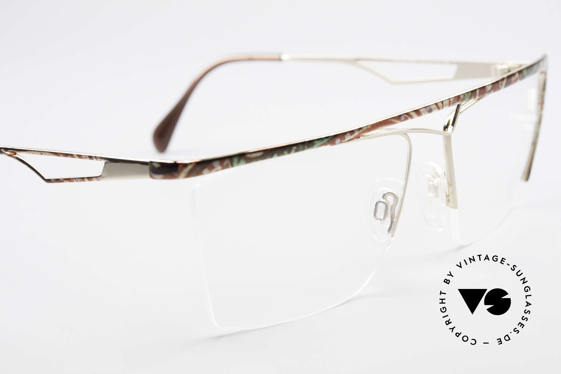 Neostyle Jet 201 Vintage 80's Nylor Frame, unworn (like all our vintage NEOSTYLE eyewear), Made for Men and Women