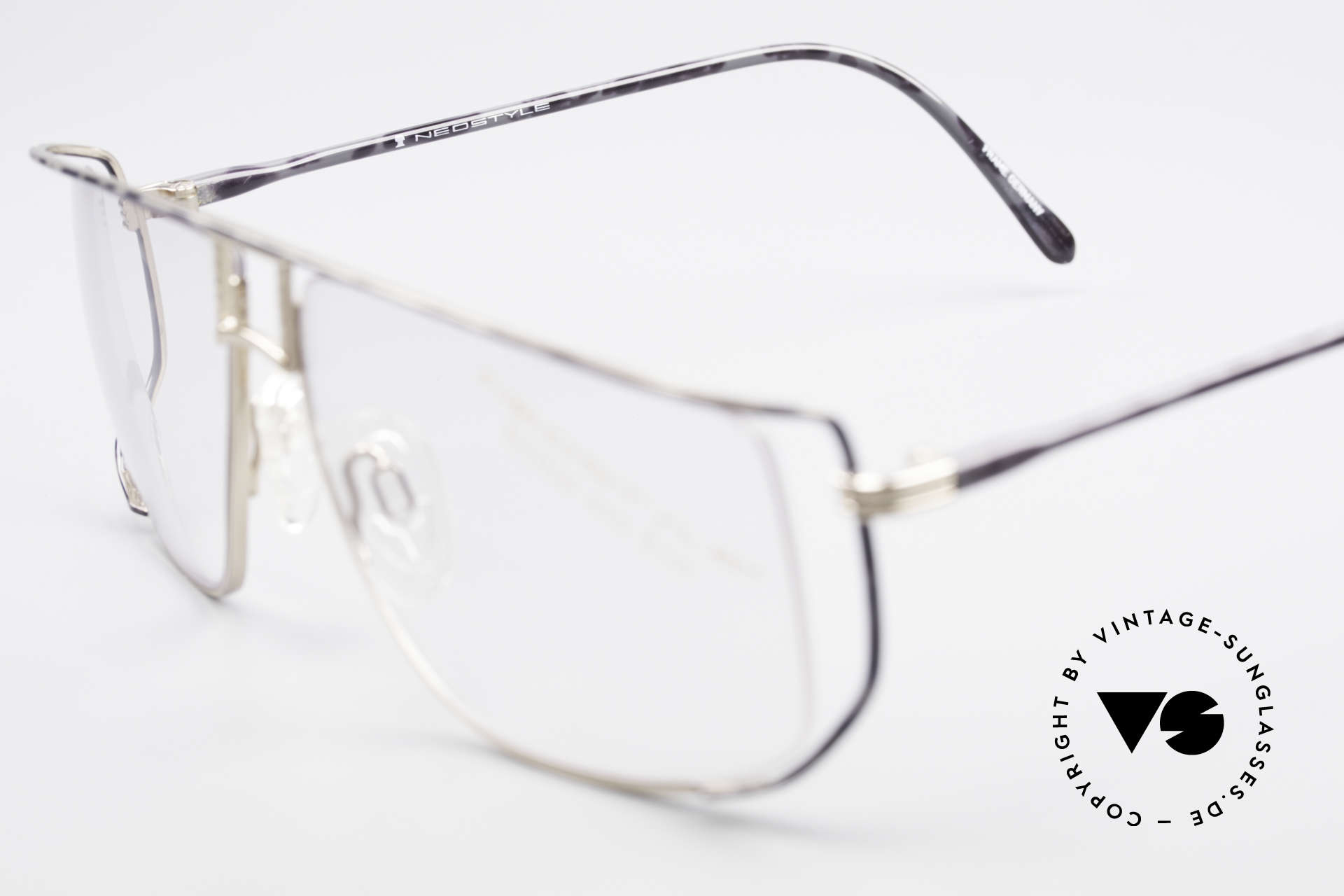 Neostyle Jet 30 Small True Vintage No Retro Frame, NO RETRO specs; but an unworn old original from 1986, Made for Men and Women