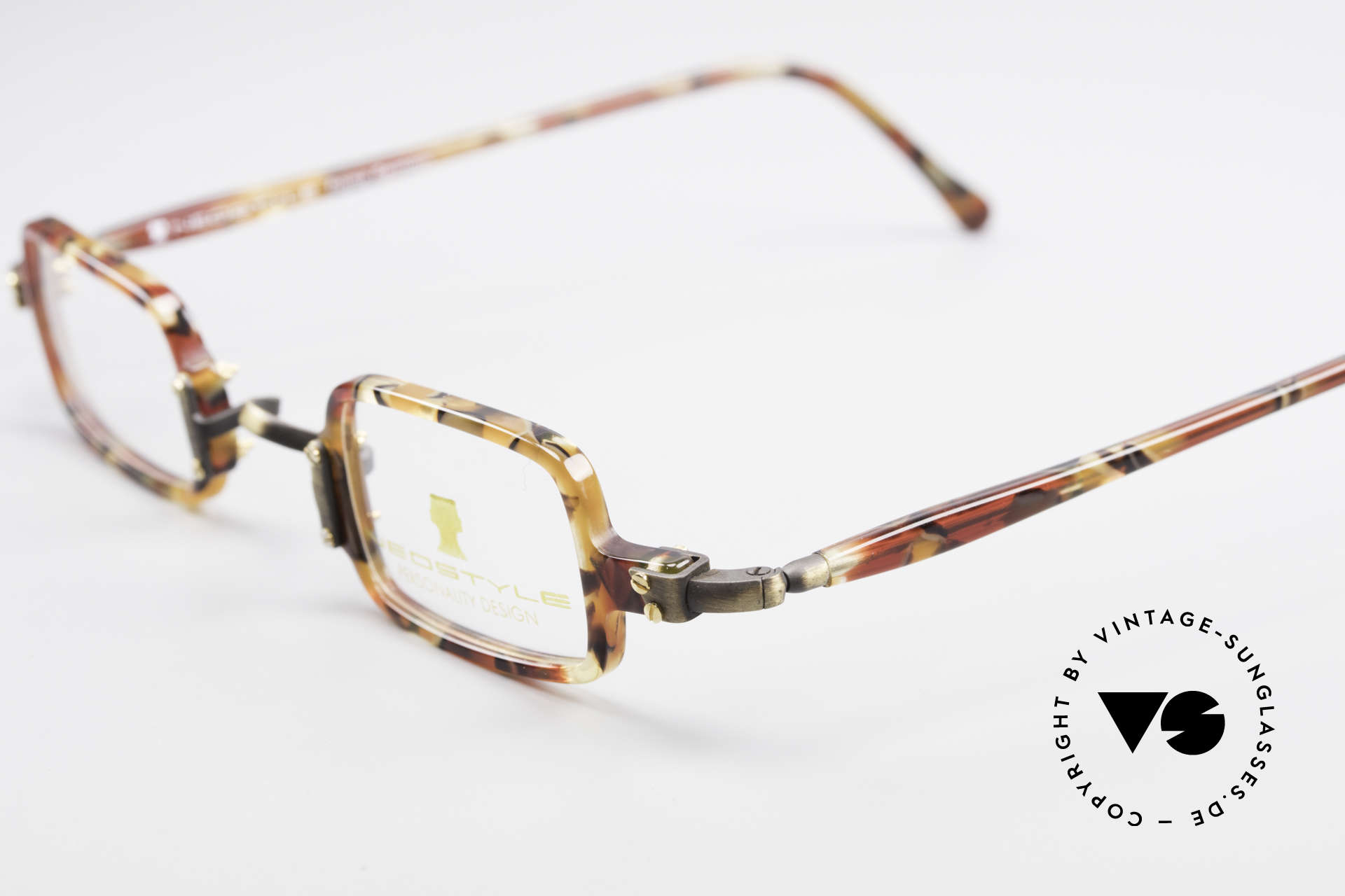 Neostyle Bistro 172 Square Vintage Unisex Frame, never worn (like all our classic Neostyle frames), Made for Men and Women