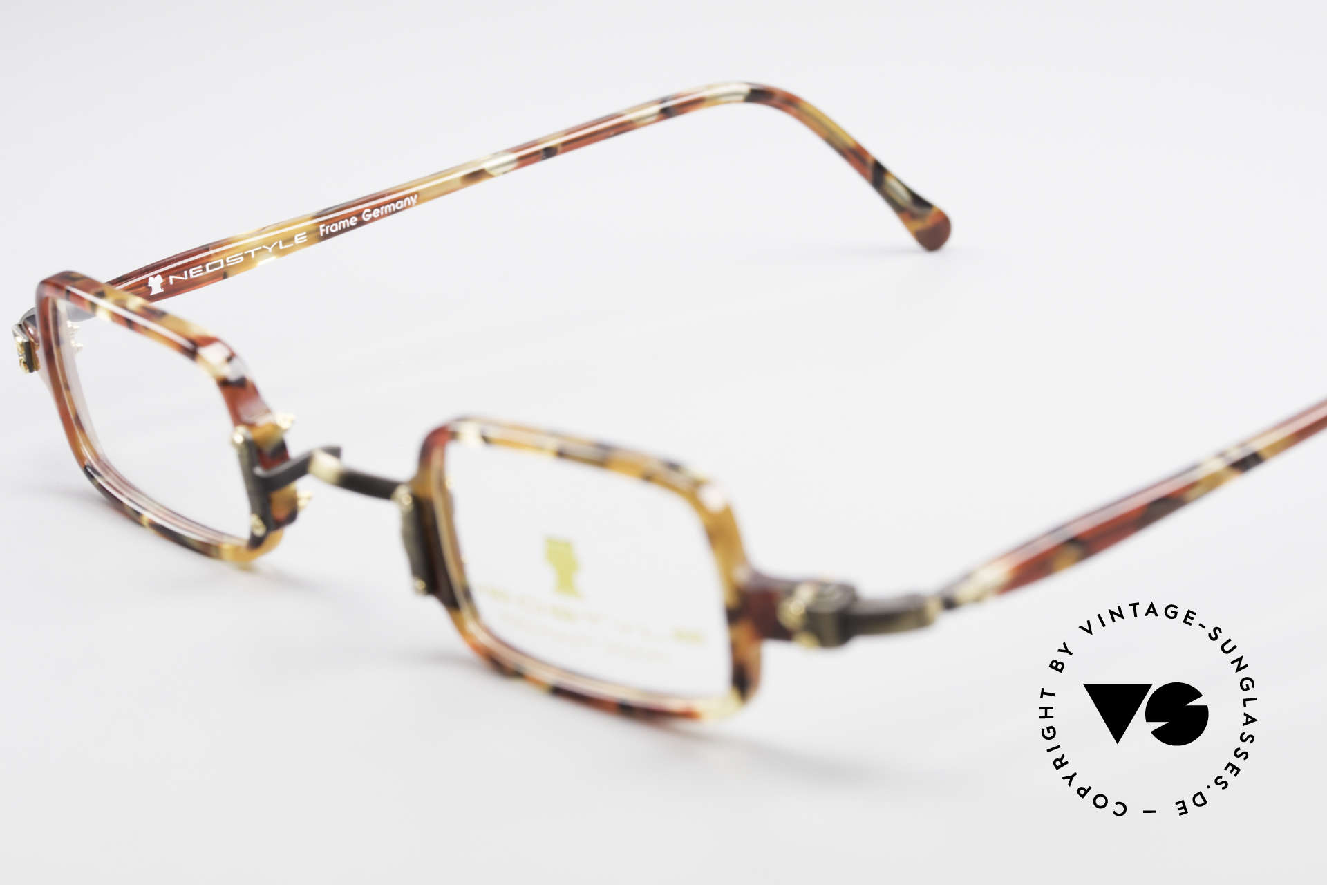 Neostyle Bistro 172 Square Vintage Unisex Frame, NO RETRO glasses, but a rare old 90's ORIGINAL, Made for Men and Women