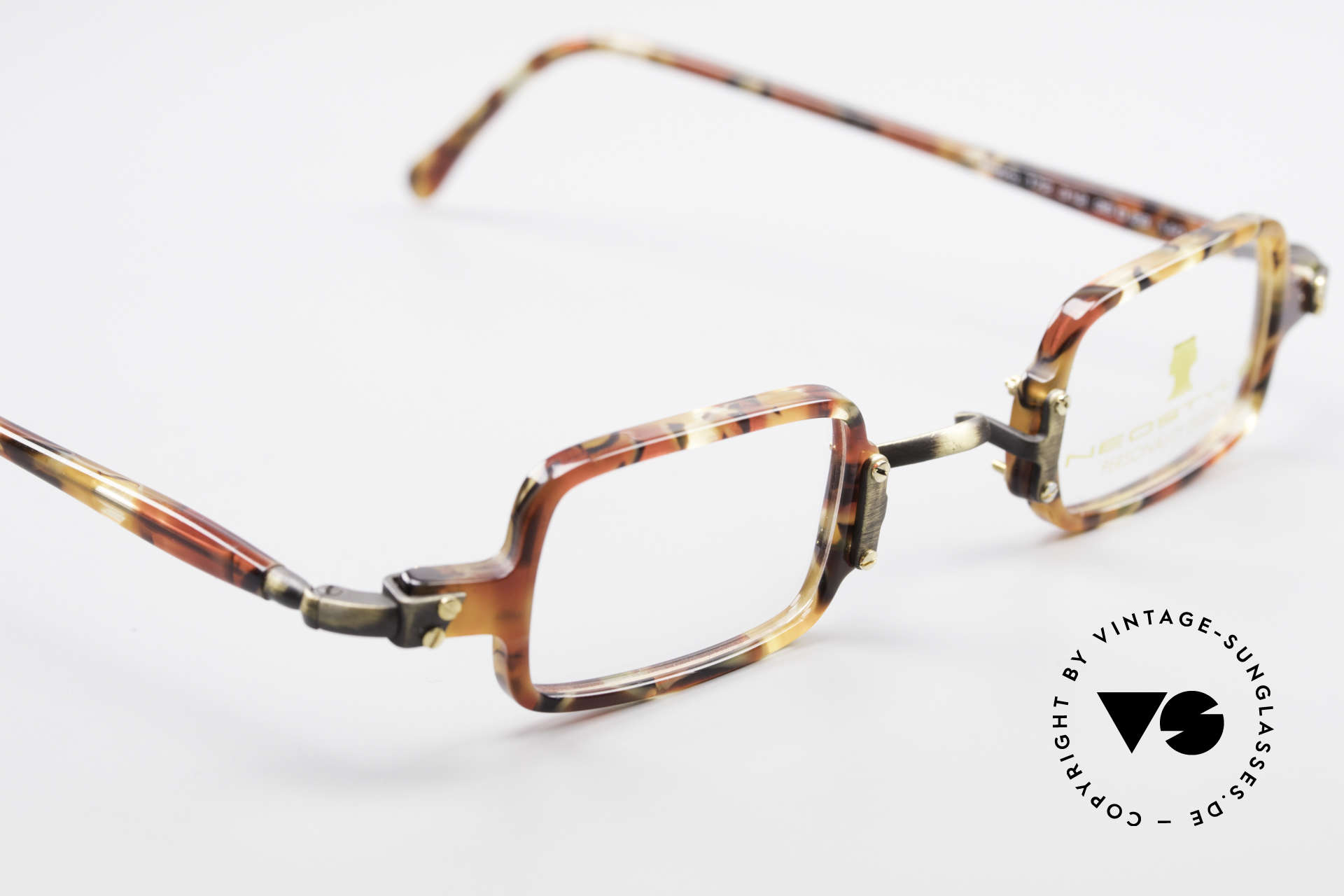 Neostyle Bistro 172 Square Vintage Unisex Frame, the frame can be glazed with optical (sun) lenses, Made for Men and Women