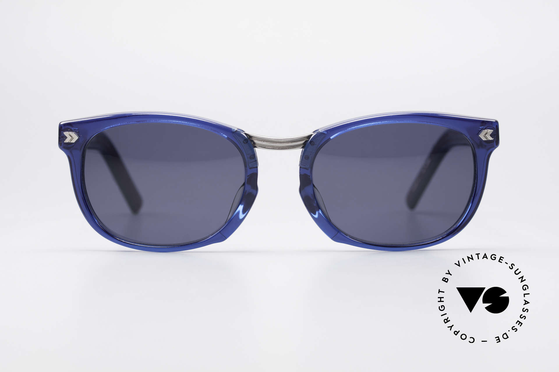 Jean Paul Gaultier 58-1271 Junior Gaultier Sunglasses, massive frame with conspicuous details (eye-catcher), Made for Men and Women