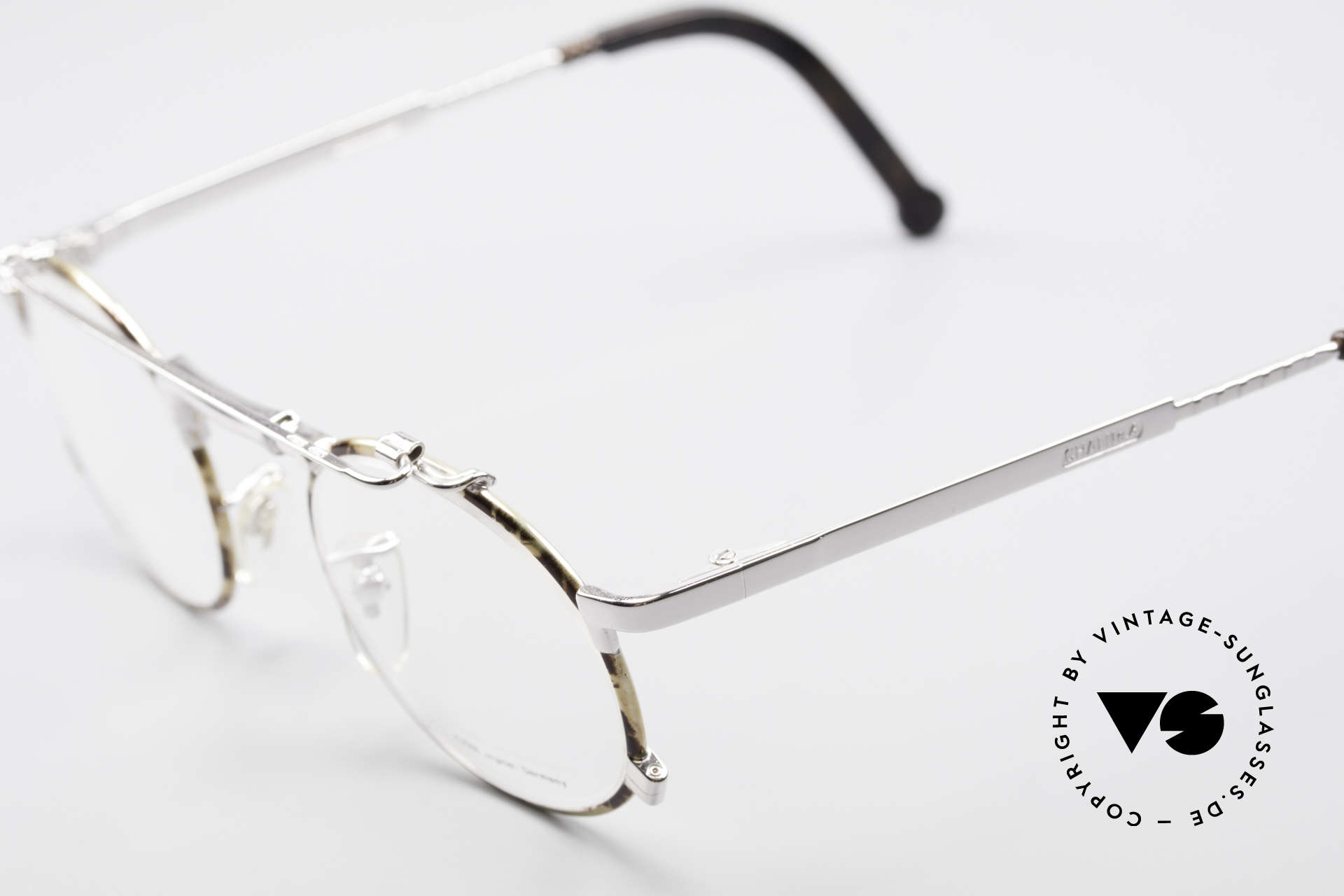 Chai No4 Round Industrial Vintage Eyeglasses, however, a great old designer piece from Germany, Made for Men and Women