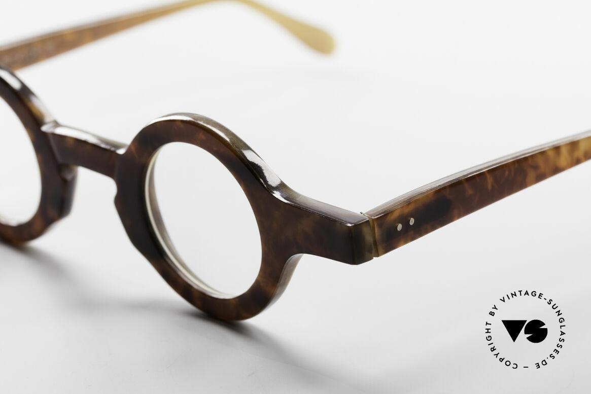 Proksch's P218 Buffalo Horn Round Frame, article of virtu - collector's item - museum piece - vertu, Made for Men and Women
