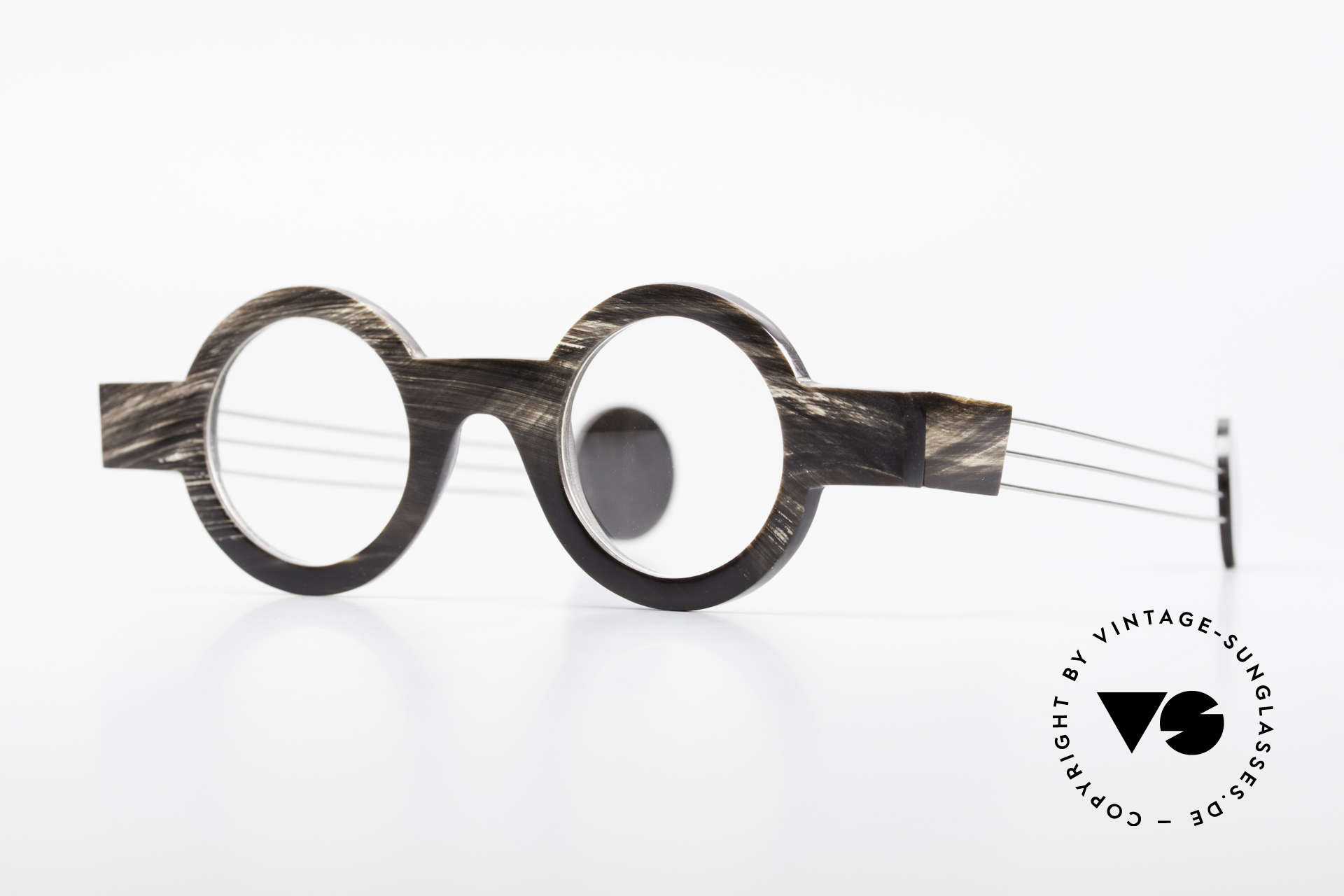 P. Klenk Bold 023 Horn Frame Twistable Temples, striking round horn eyeglass-frame by P. Klenk from 1994, Made for Men and Women