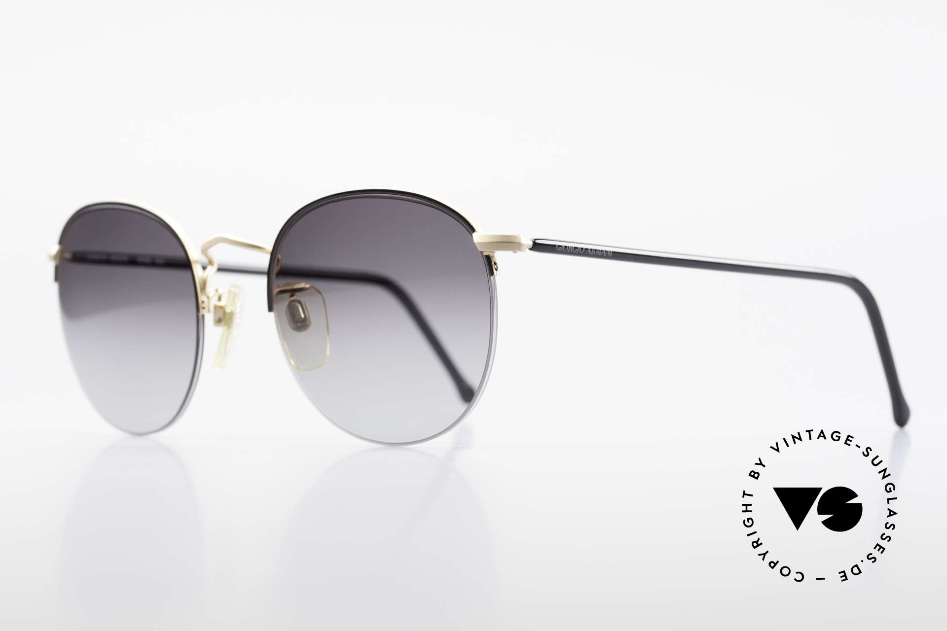 Giorgio Armani 142 Rimless Panto Sunglasses 80's, the lenses are fixed with a nylor thread at the frame, Made for Men